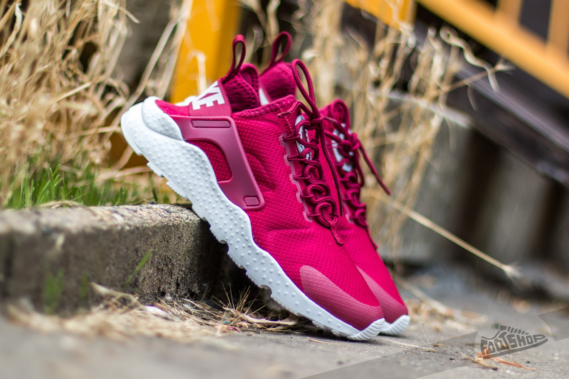 new arrival 55dcf 0553d Nike Air Huarache Run Ultra