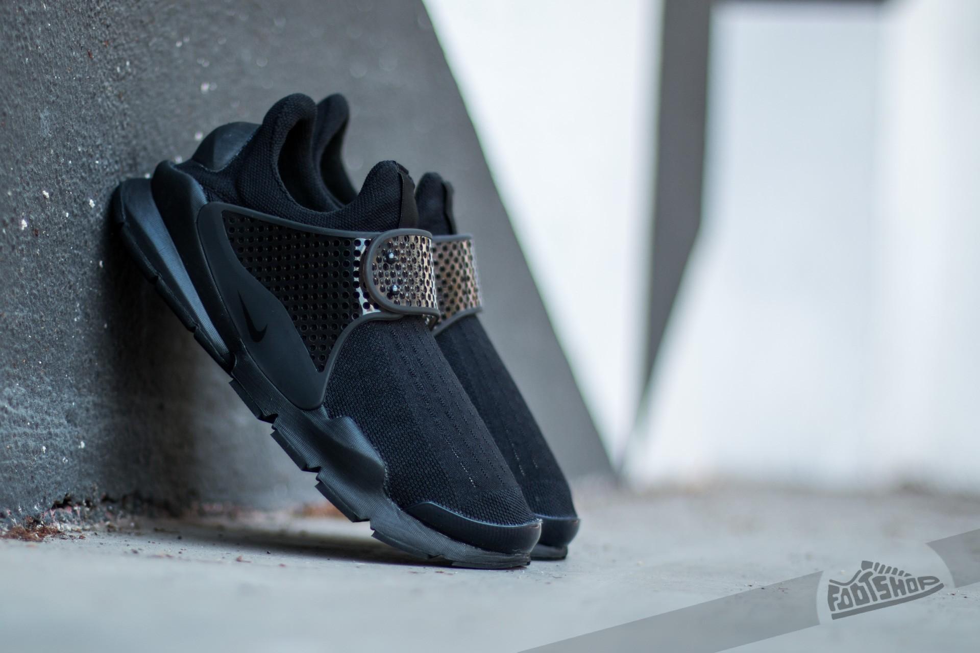 d38f5d47bba1 Nike Sock Dart Black  Black-Volt