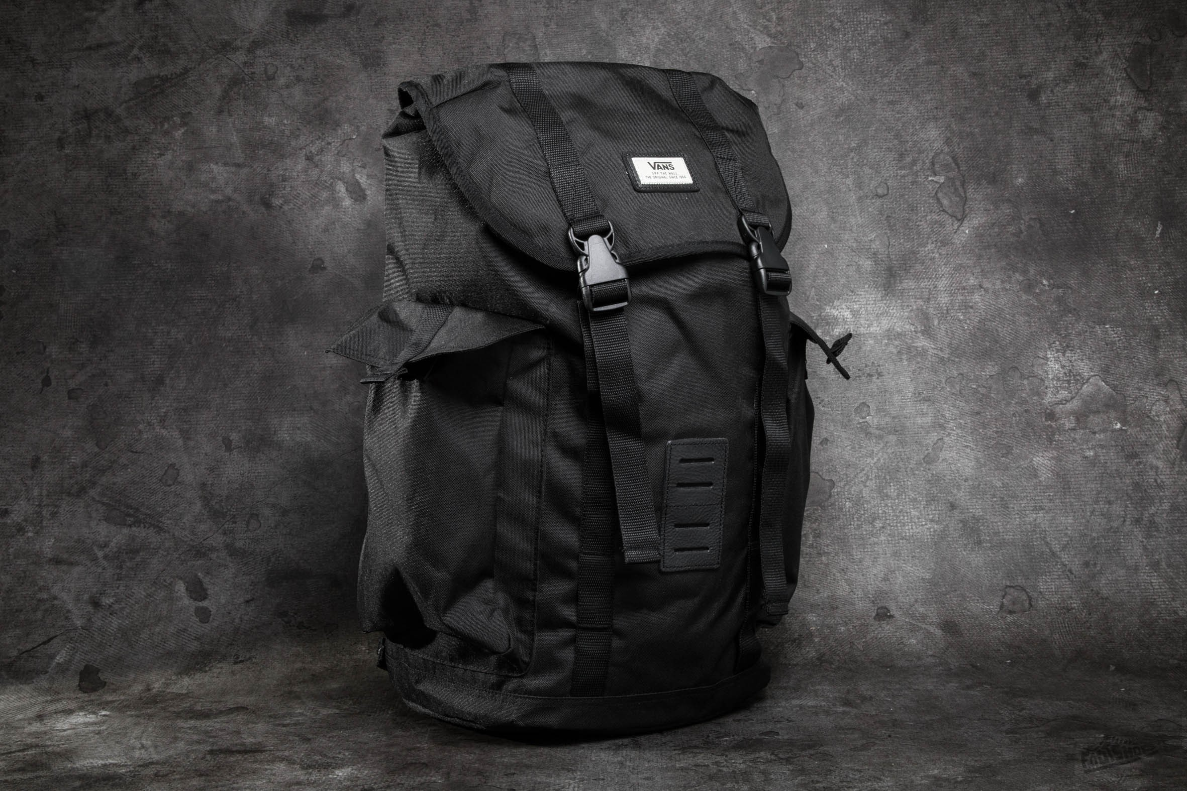 6be0cfe76267 Vans Off The Wall Backpack Black
