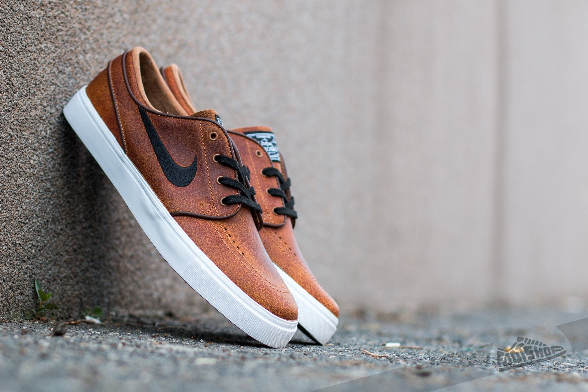 8f446381cdbf Nike Zoom Stefan Janoski Elite Ale Brown  Black-White-Dark Field Brown