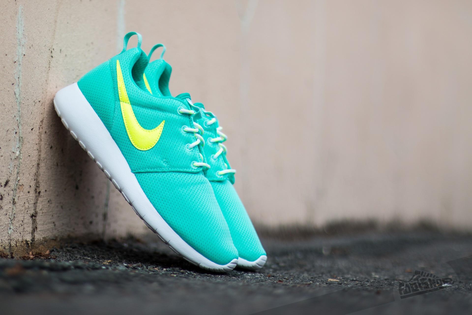 7eac8dd62b5f Nike Roshe One (GS) Hyper Turquoise  Volt-Clear Jade-White ...