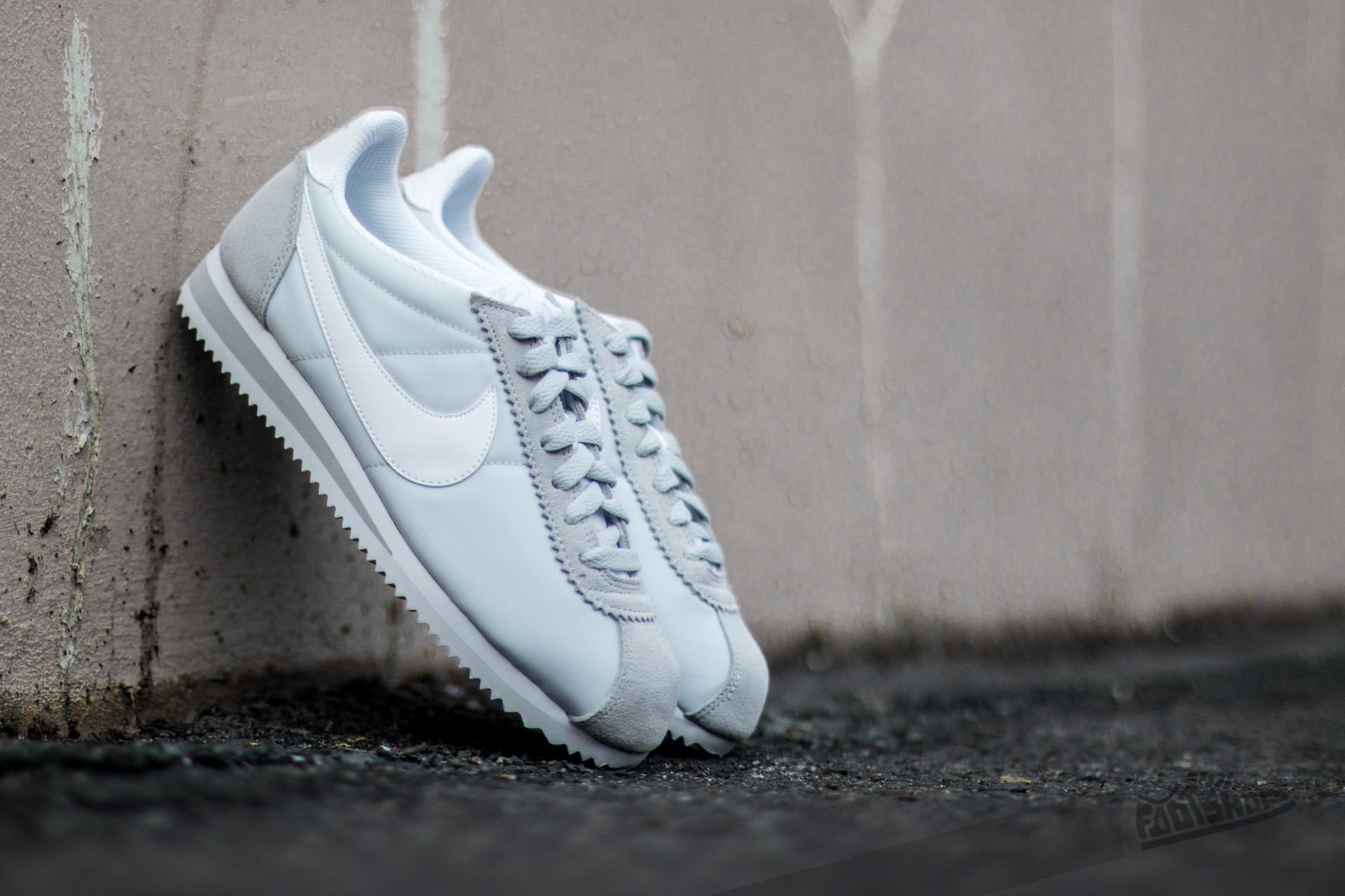 1eb41309a992 Nike Wmns Classic Cortez Nylon Pure Platinum  White at a great price 77 €  buy