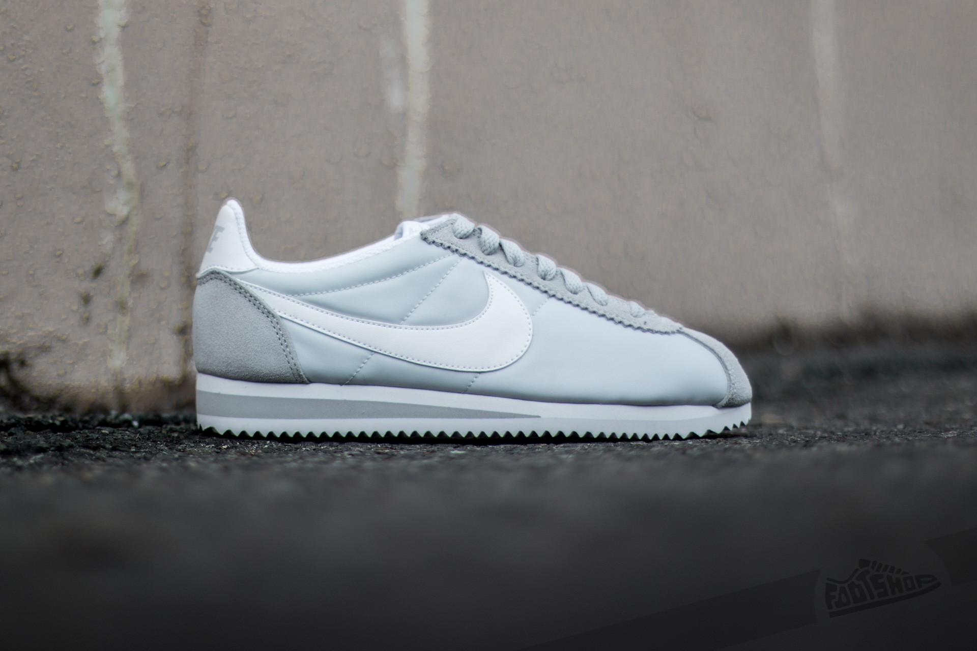 outlet store b3d87 b794c Nike Wmns Classic Cortez Nylon Pure Platinum White at a great price £67 buy