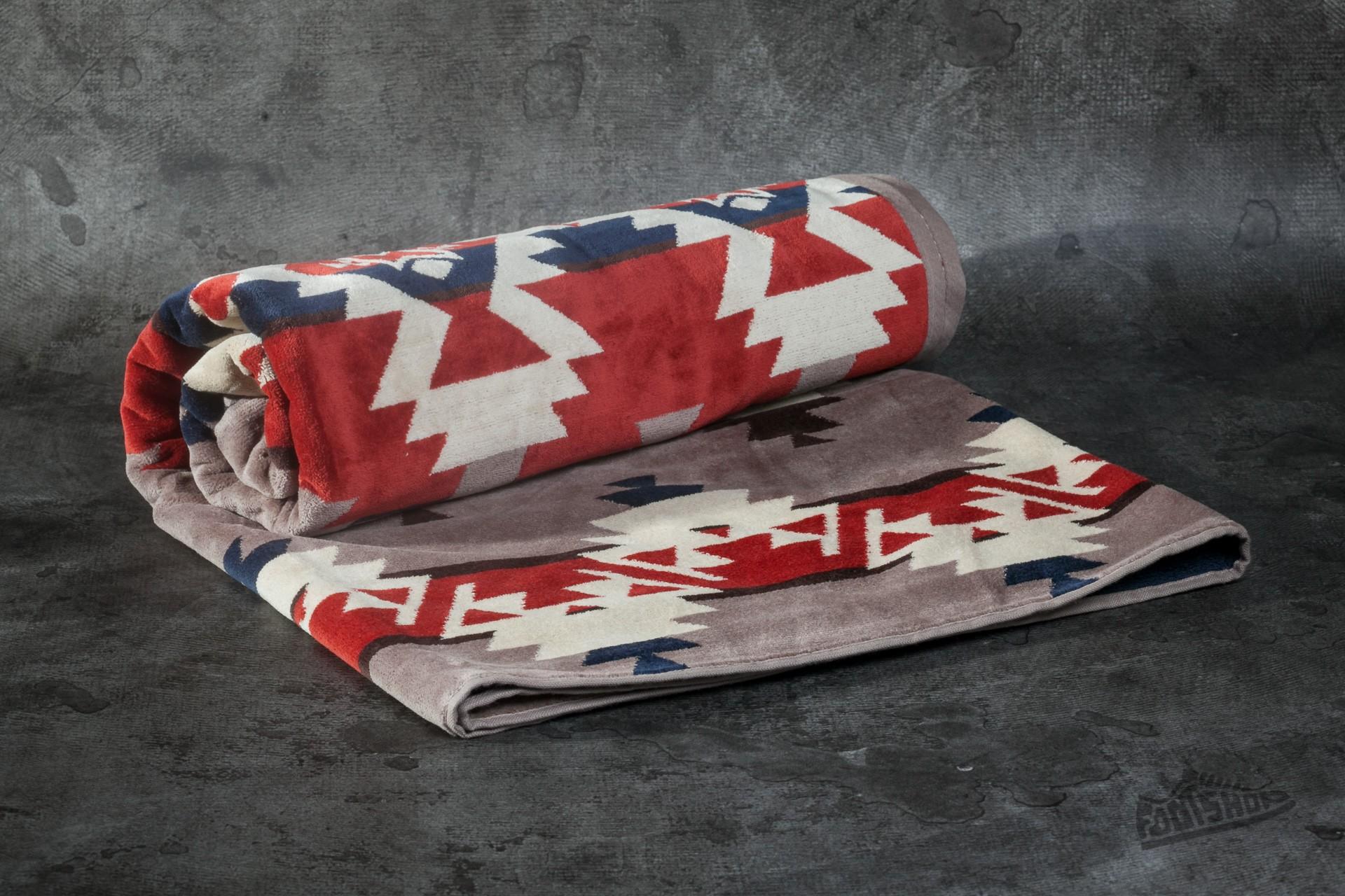 Pendleton Mountain Majesty Jacquard Beach Towel Fawn za skvelú cenu 77 € kúpite na Footshop.sk