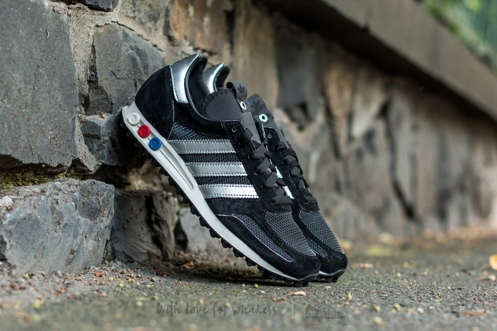 best choice lower price with exquisite design adidas LA TRAINER OG Made in Germany Core Black/ Metsil ...