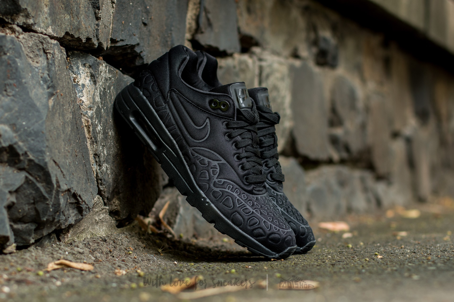 Nike Wmns Air Max 1 Ultra Plush Black Black White | Footshop