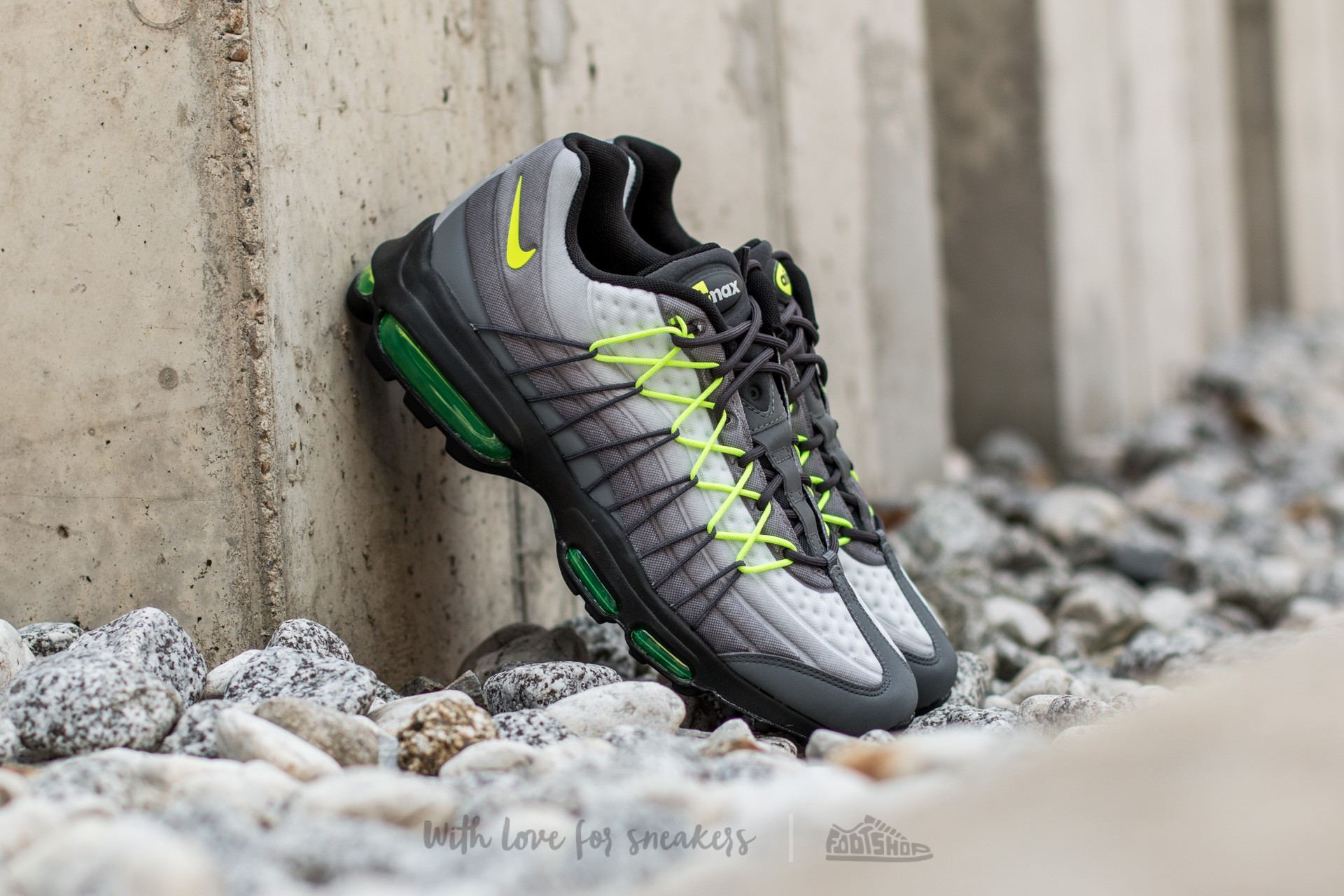 0a1f0c4faabc Nike Air Max 95 Ultra SE Dark Grey  Volt-Anthracite-Cool Grey ...