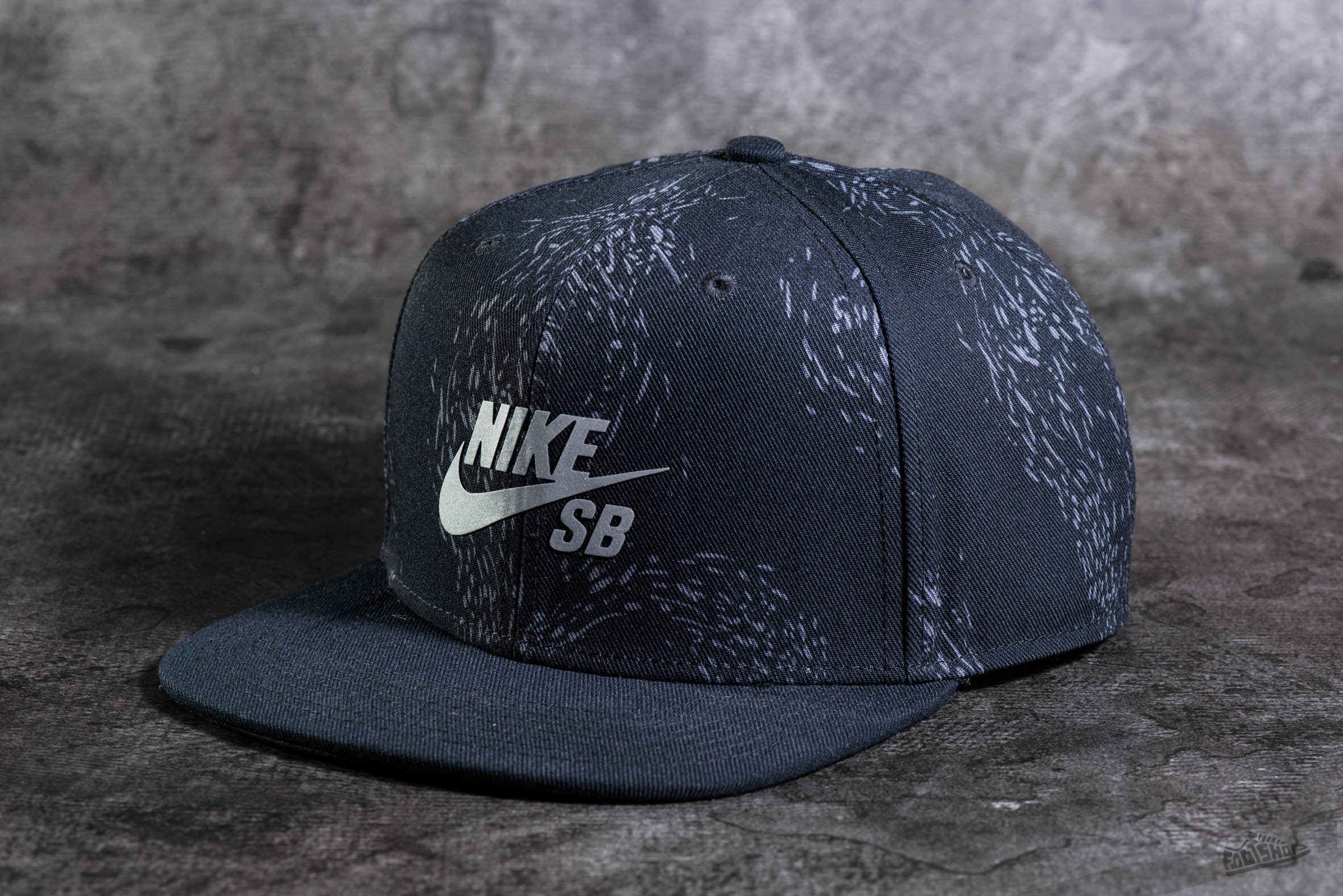 e56ffab9196 Nike SB Swarm Snapback Black