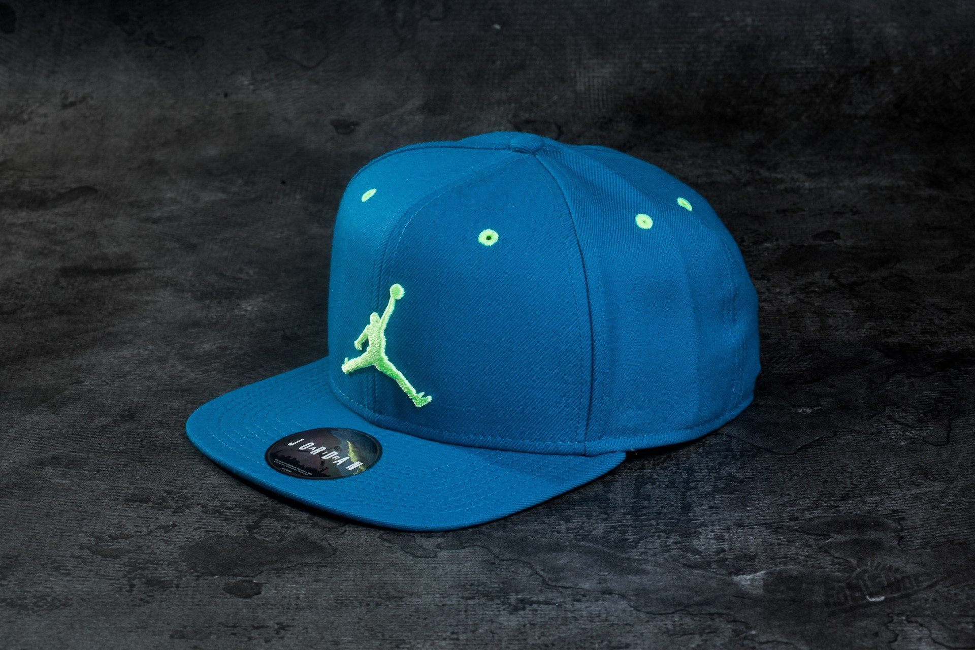 682325ca91936 Jordan Jumpman Snapback Green Abyss  Ghost Green