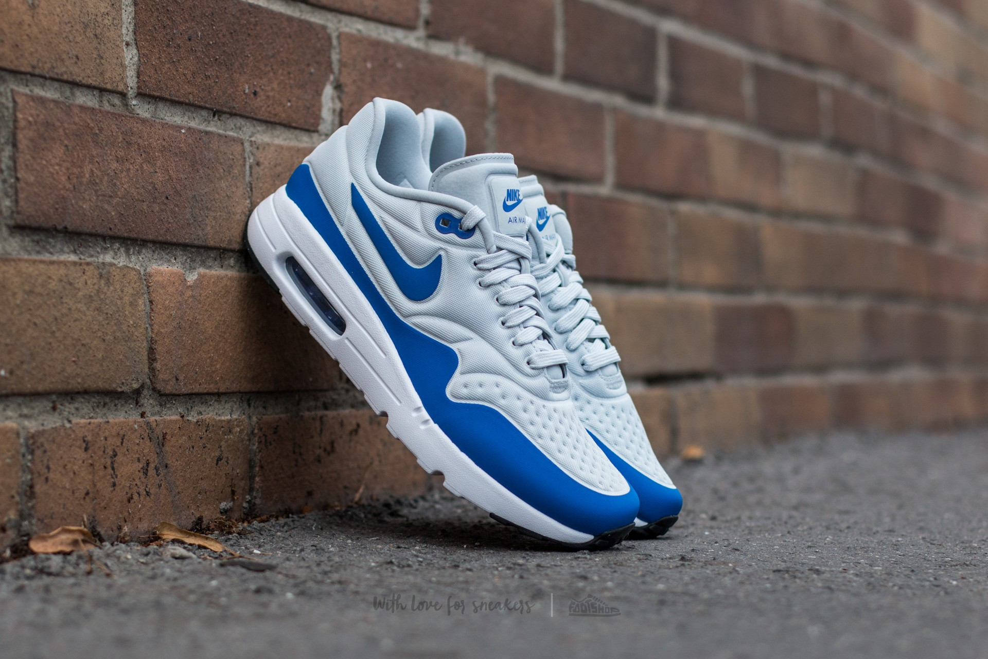 Nike Air Max 1 Ultra SE Pure Platinum  Game Royal-Neutral Grey-Black 321b5b1aa
