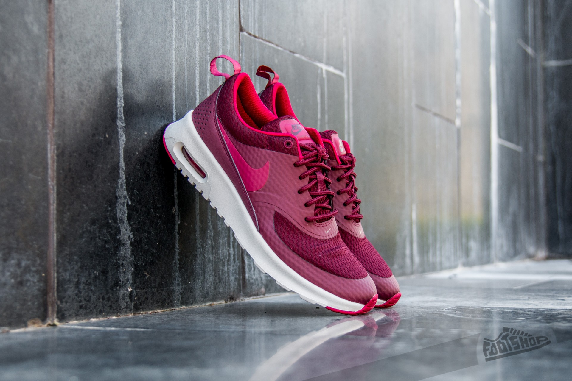100% authentic 2ca1e 87262 Nike W Air Max Thea TXT Night Maroon Noble Red-Summit White