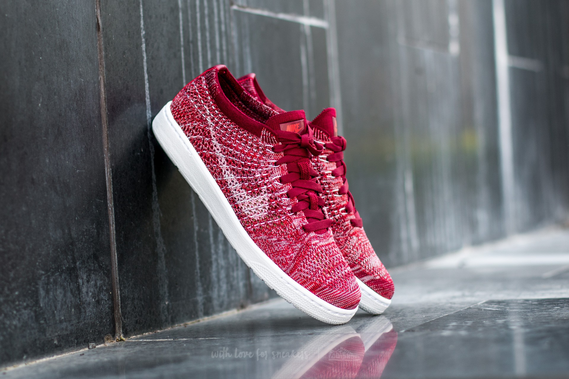 size 40 8bb89 0b0a8 Nike Wmns Tennis Classic Ultra Flyknit Team Red/ White-Plum Fog-Team Red