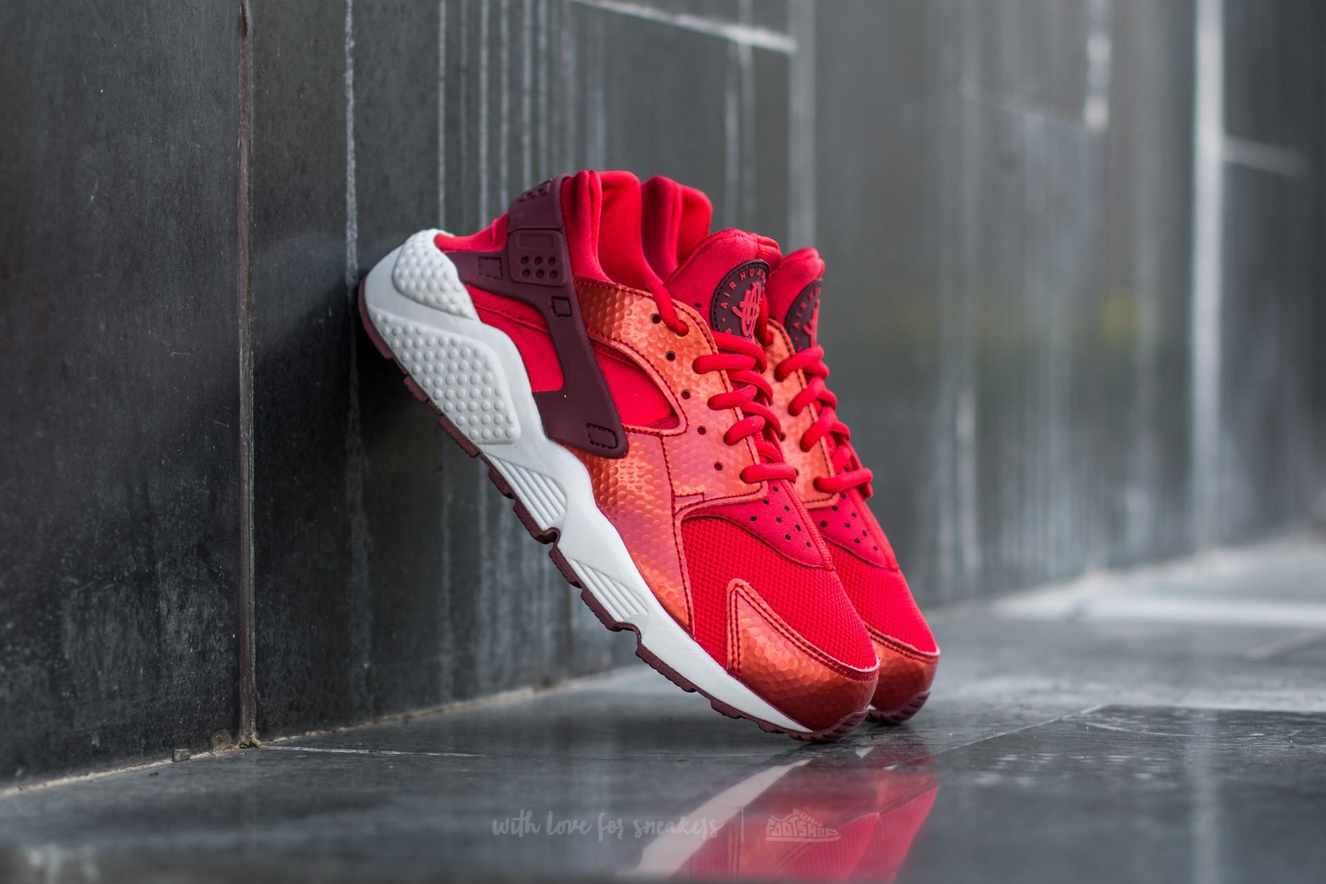 7385ab47bf7 Nike Wmns Air Huarache Run Universe Red/ Night Maroon-White ...