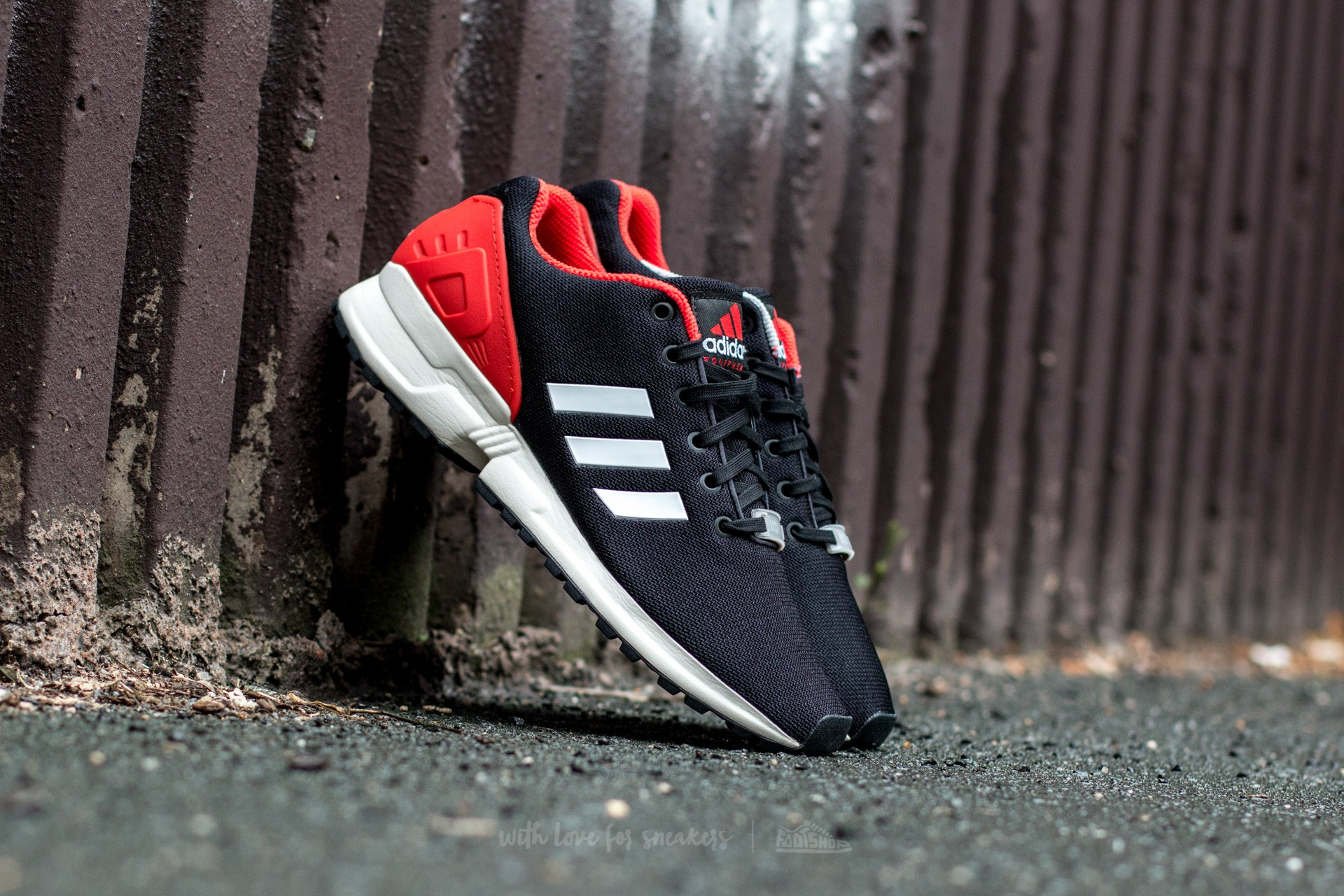 factory authentic 1dee7 b138a adidas flux red and black