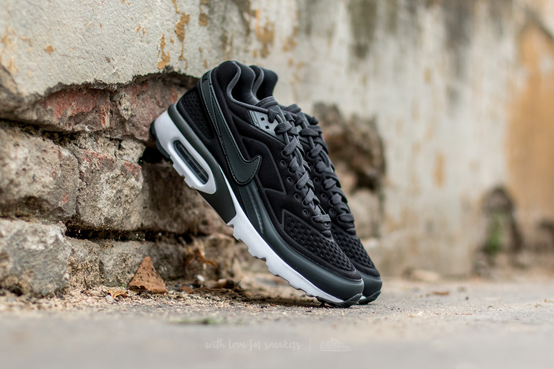 outlet store 8b892 bccee Nike Air Max BW Ultra SE Black Anthracite-White