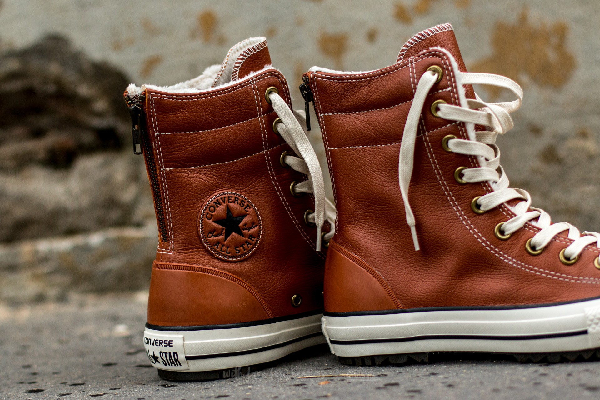 Converse Chuck Taylor All Star Hi Rise Boot Leather + Fur