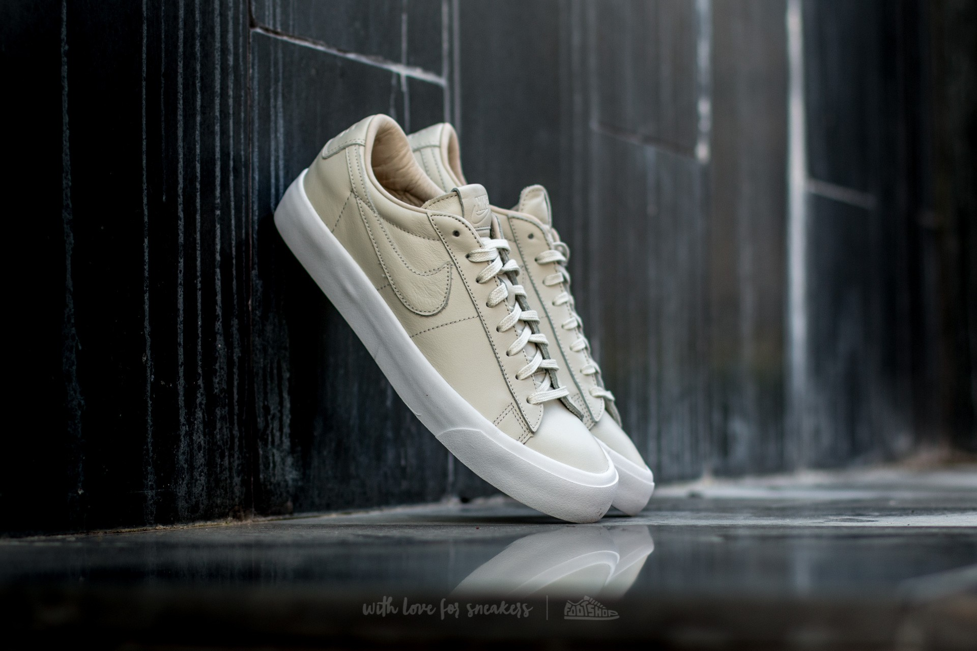 hot sale a1936 eee5a Nike Blazer Studio QS Light Bone  Light Bone-White