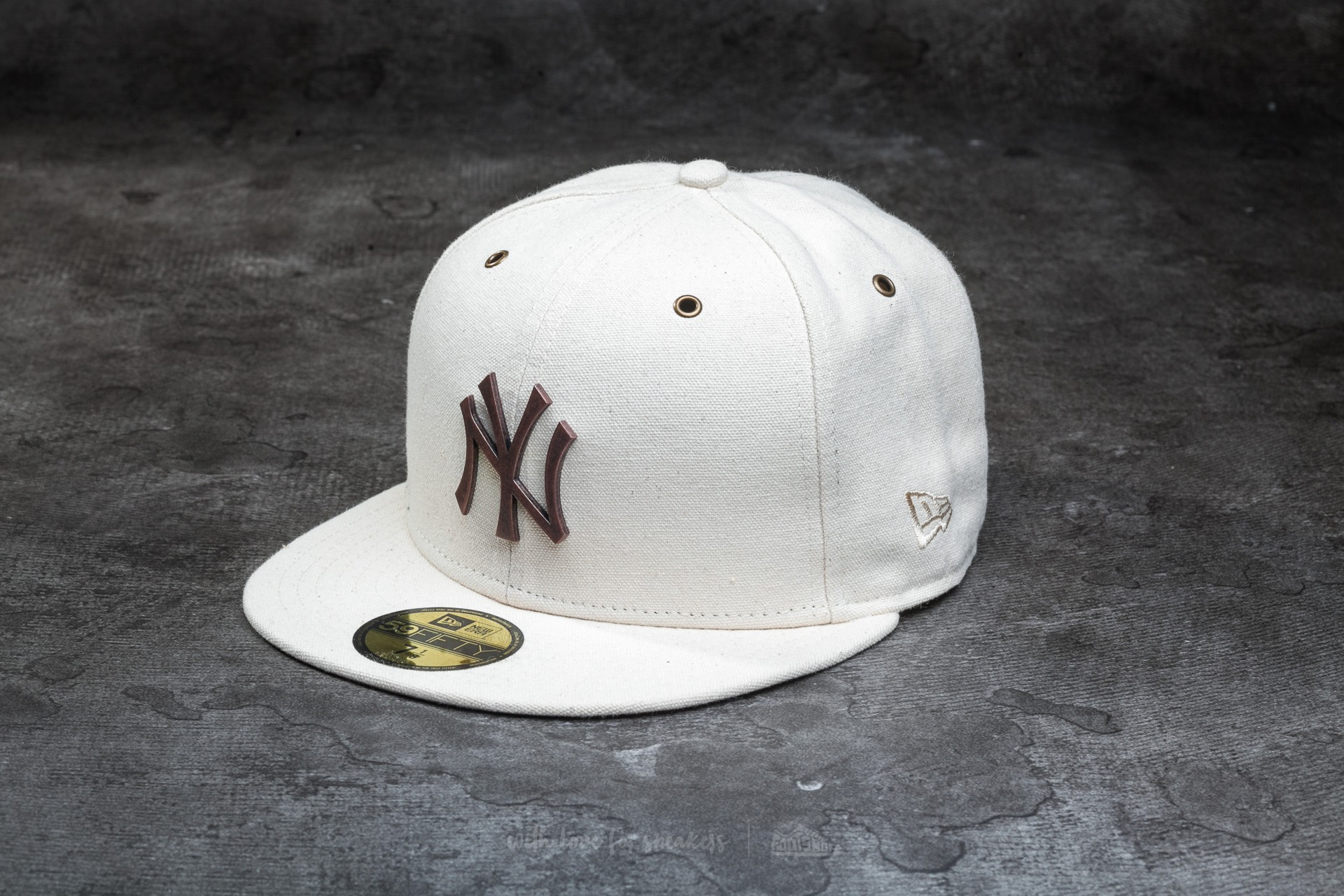 8bbdf41a67211 New Era 59Fifty Crafted Major League Baseball Metal New York Yankees Cap  Stone  Bronze