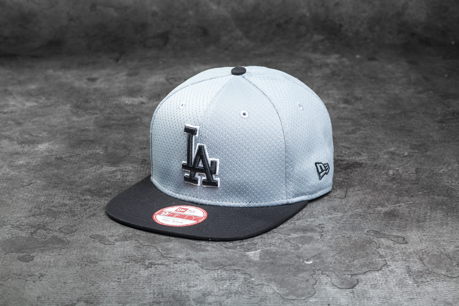 b4bdfcae5ca New Era 9Fifty Major League Baseball Outline Mesh Los Angeles Dodgers Cap  Gray  Black