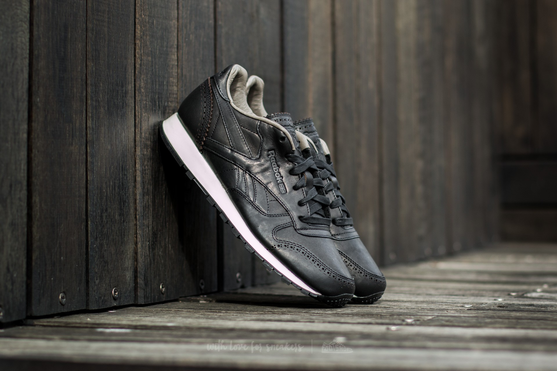 a649afe9c9eea Reebok Classic Leather Lux Horween Black  Coal  Chalk