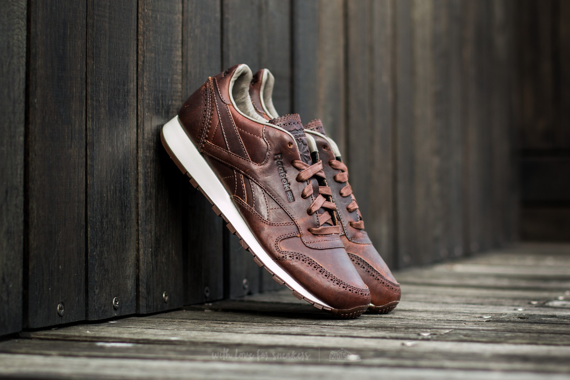 8627fa997bb70 Reebok Classic Leather Lux Horween Just  Golden Brown  Chalk ...