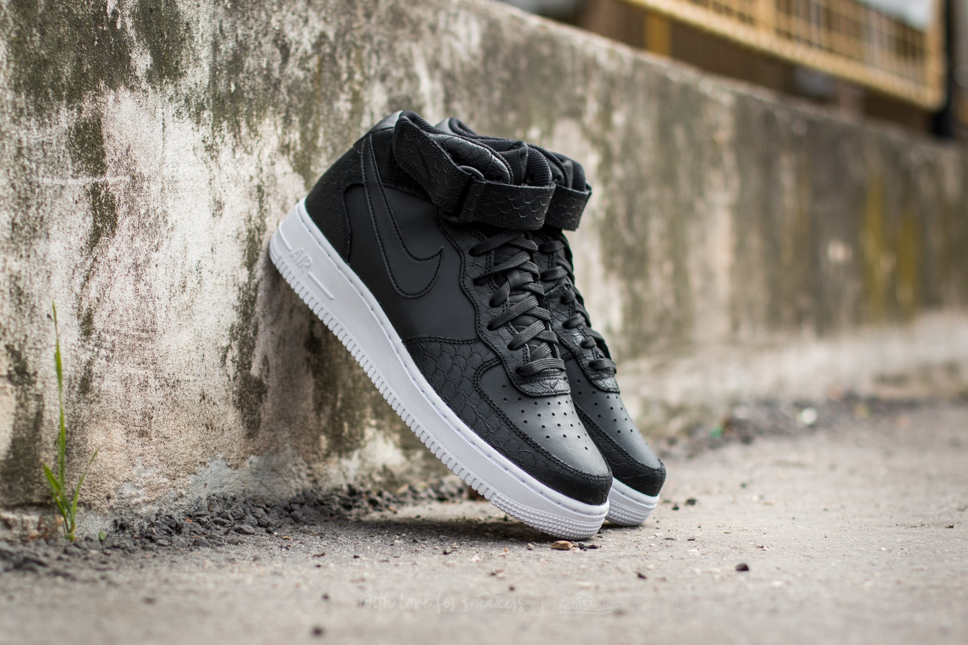 competitive price ef25c 4cdc4 Nike Air Force 1 Mid ´07 Lv8 Black Black White