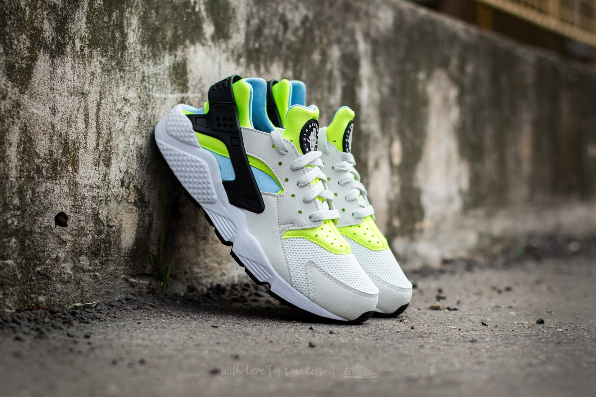 979b3aa04645 Nike Air Huarache Off White  Barely Volt-Volt-Bluecap