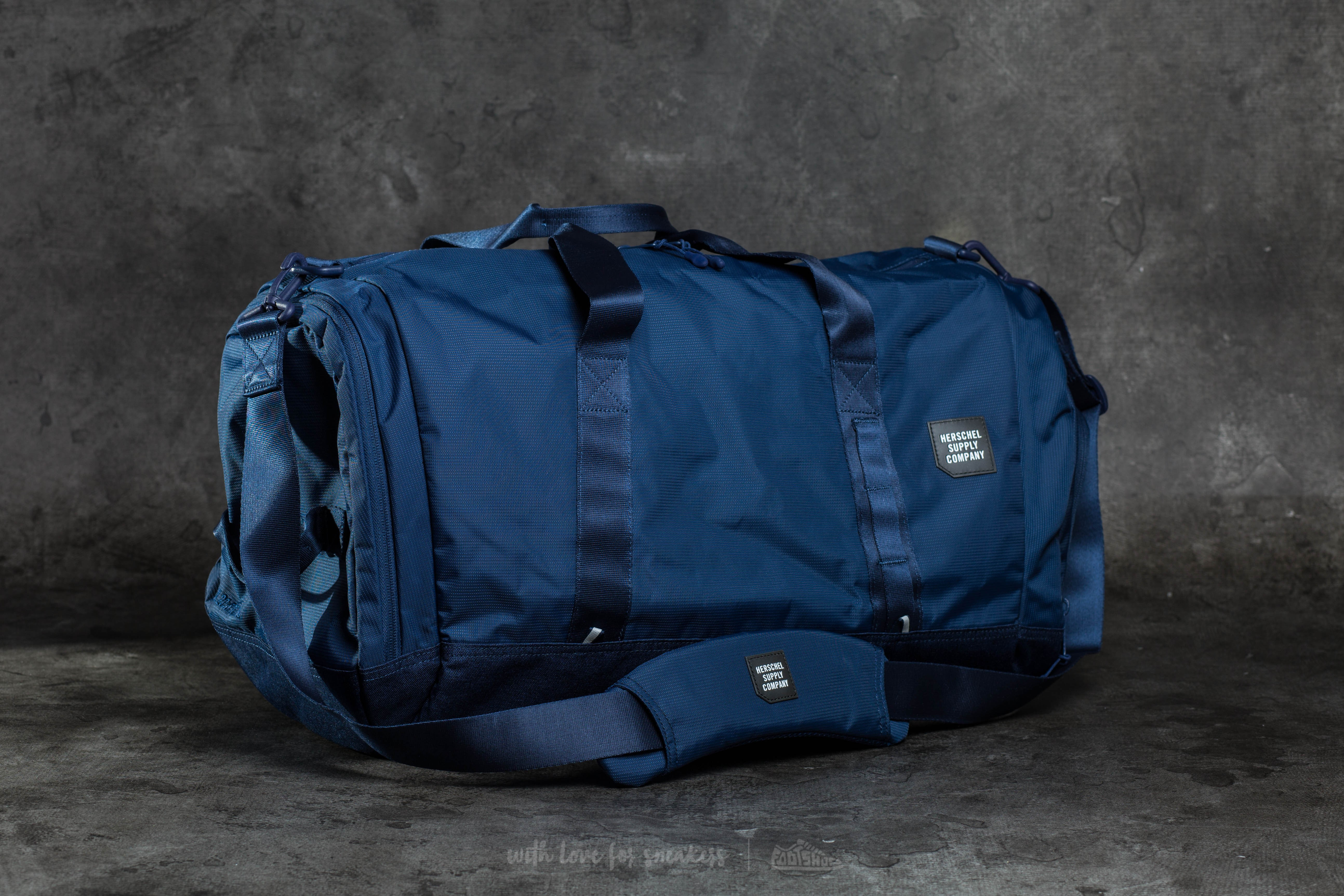 ae68e781af Herschel Supply Co. Gorge Duffle Peacoat
