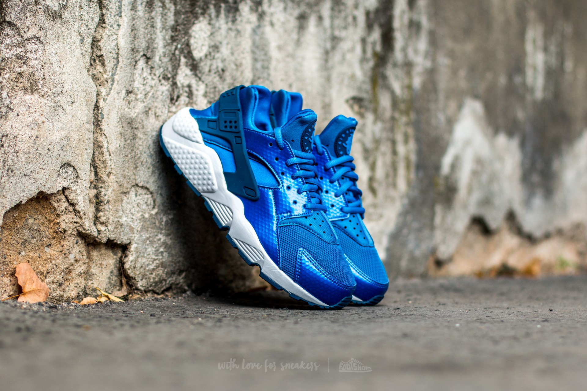 13881f9fd3c Nike Wmns Air Huarache Run Blue Spark  Coastal Blue-White ...