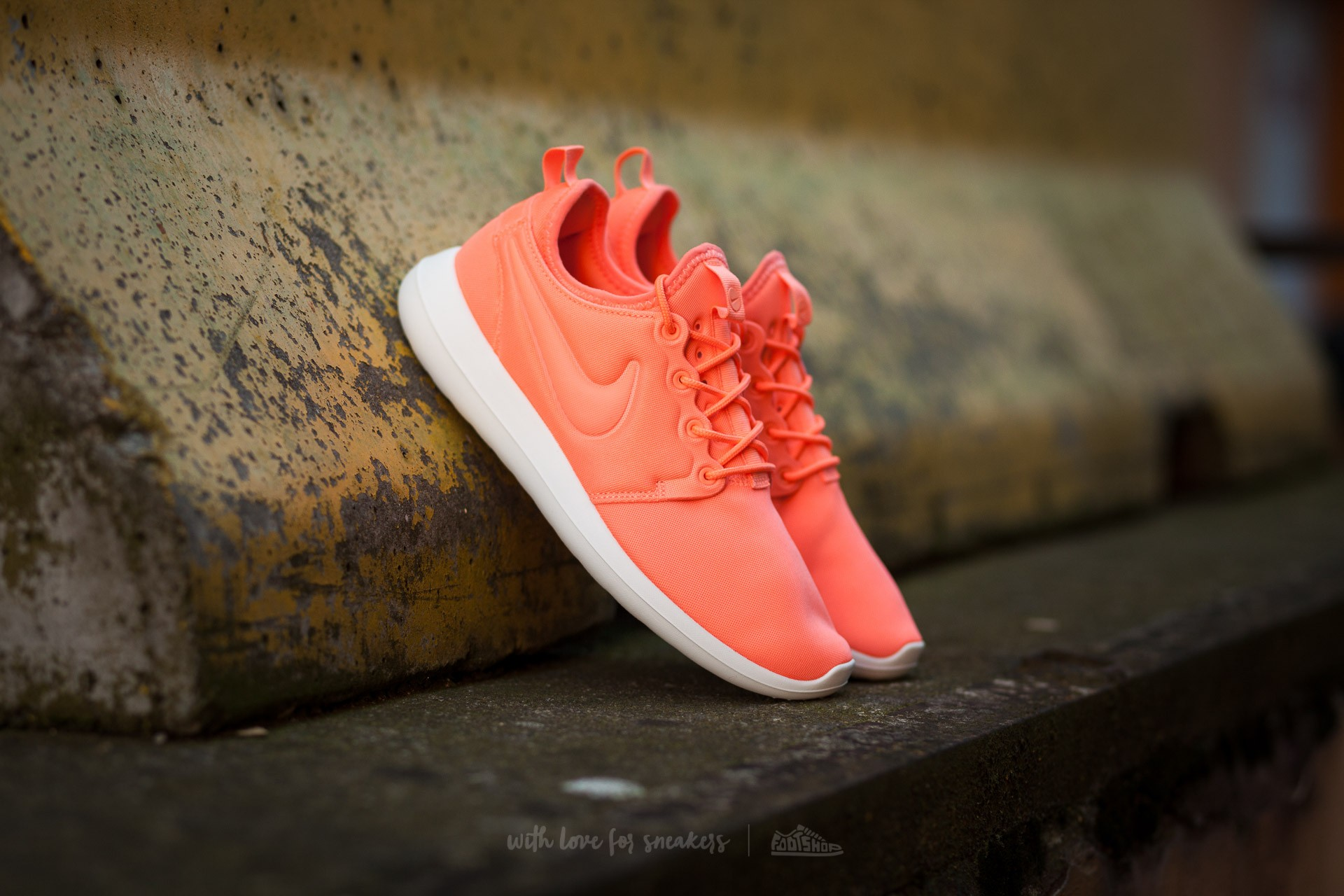 bc1fda263e2a ... spain nike w roshe two atomic pink sail turf orange fdf1b 53f46
