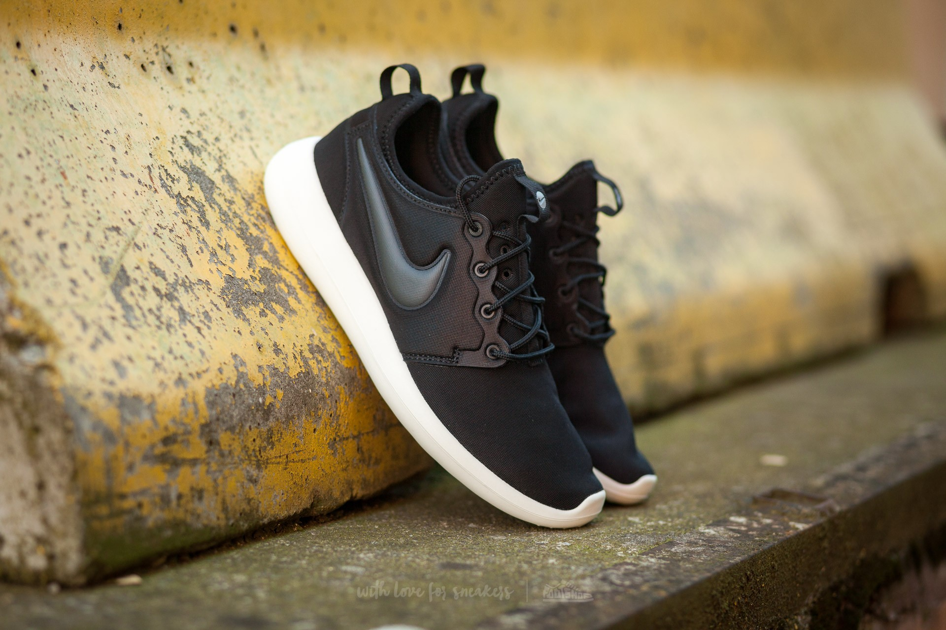 aa5604a9e90 Nike W Roshe Two Black  Anthracite-Sail-Volt