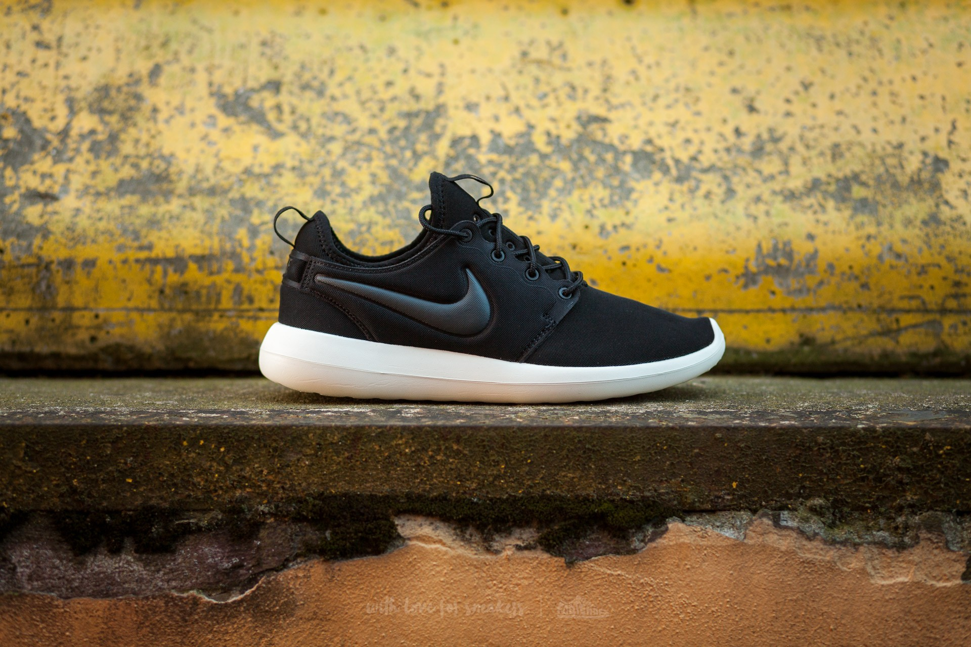Nike W Roshe Two Black Anthracite Sail Volt | Footshop