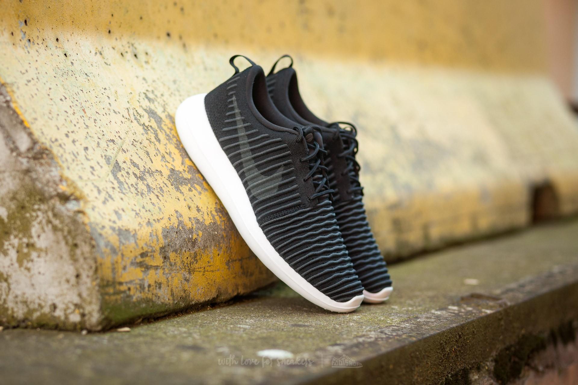 new style 0c3fe 028ef Nike Roshe Two Flyknit