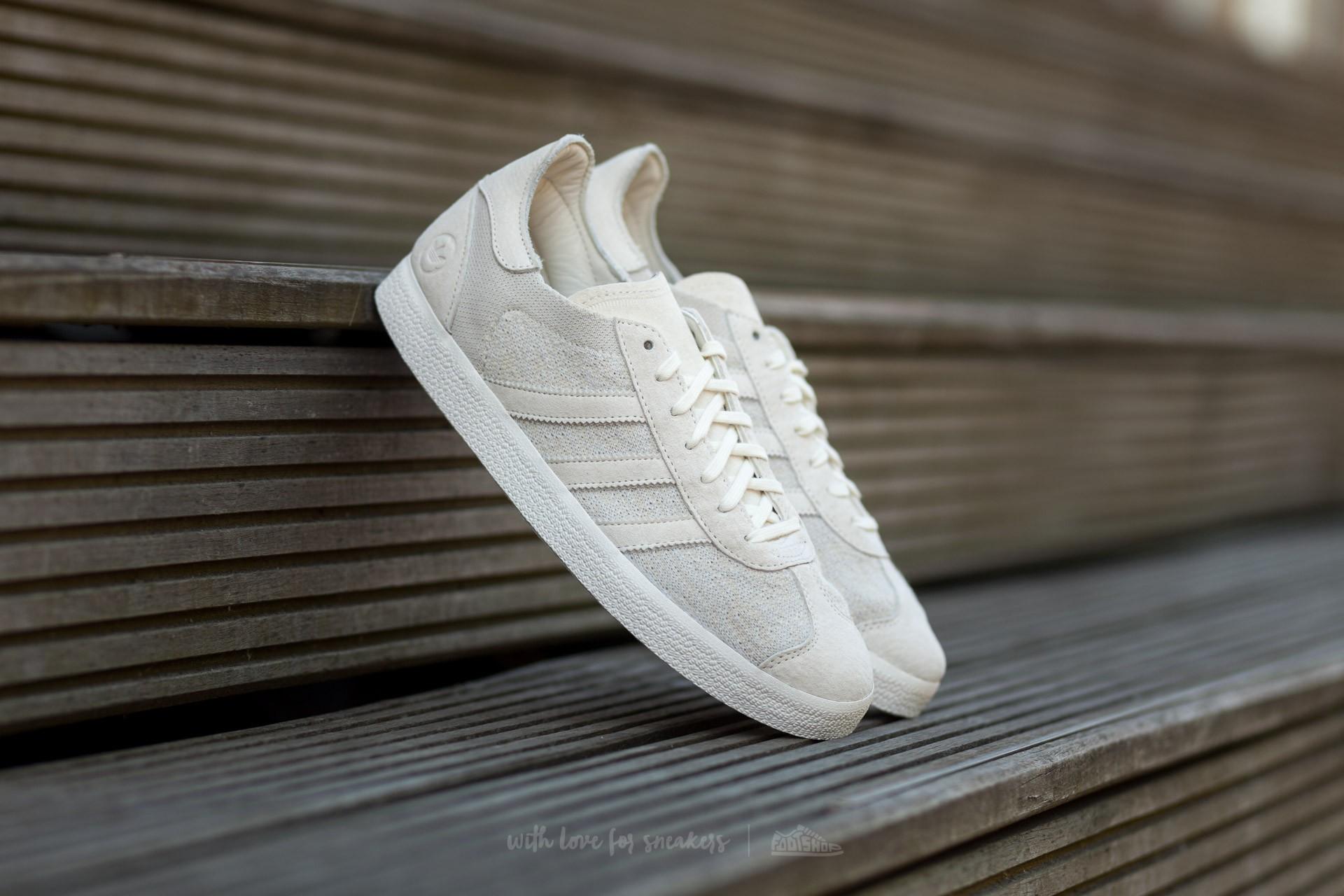 sports shoes c027d 9d884 adidas WINGS + HORNS Gazelle 85 OG