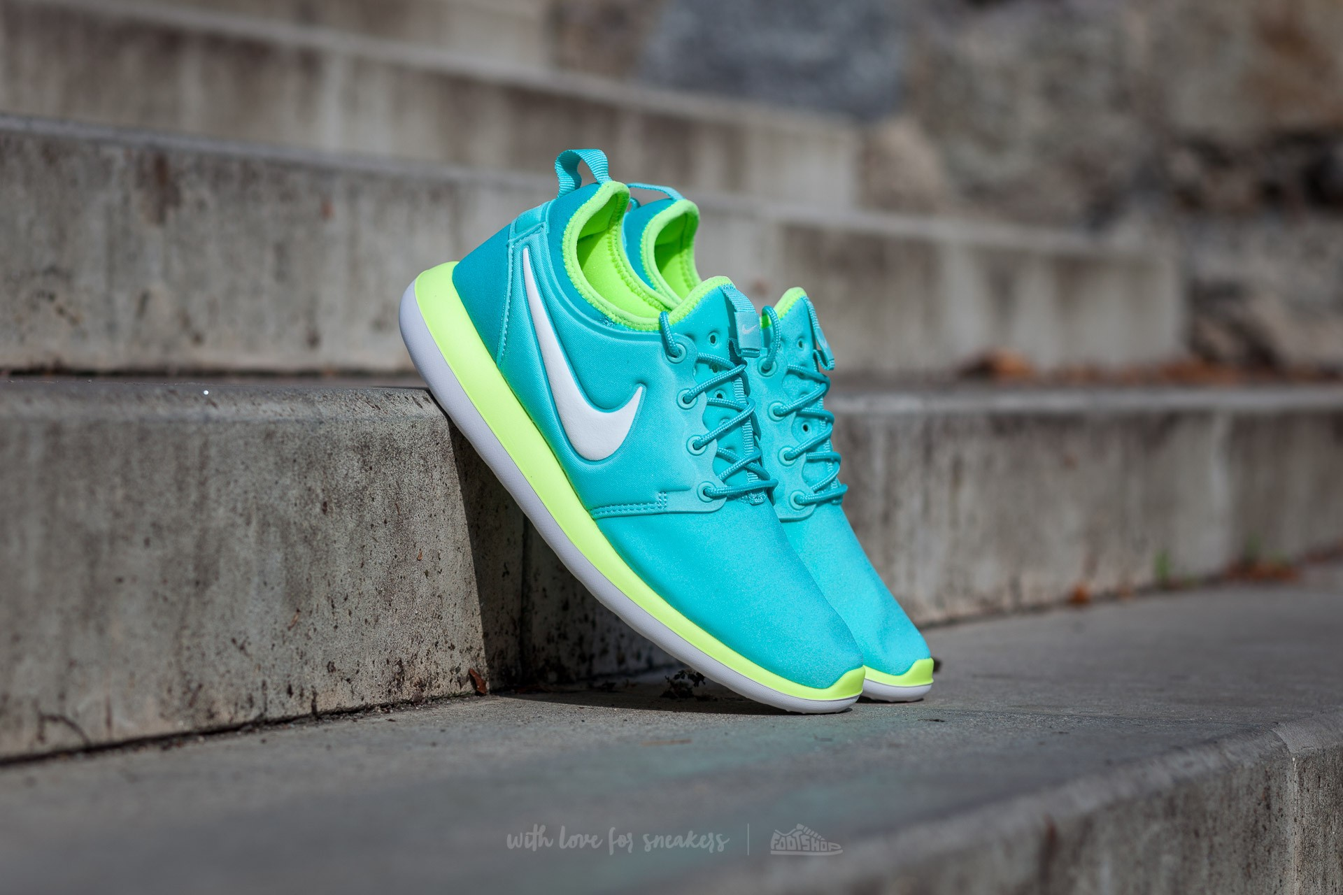 d5d108a390ccd Nike Roshe Two (GS) Hyper Turquoise  Metallic Summit White-Volt ...