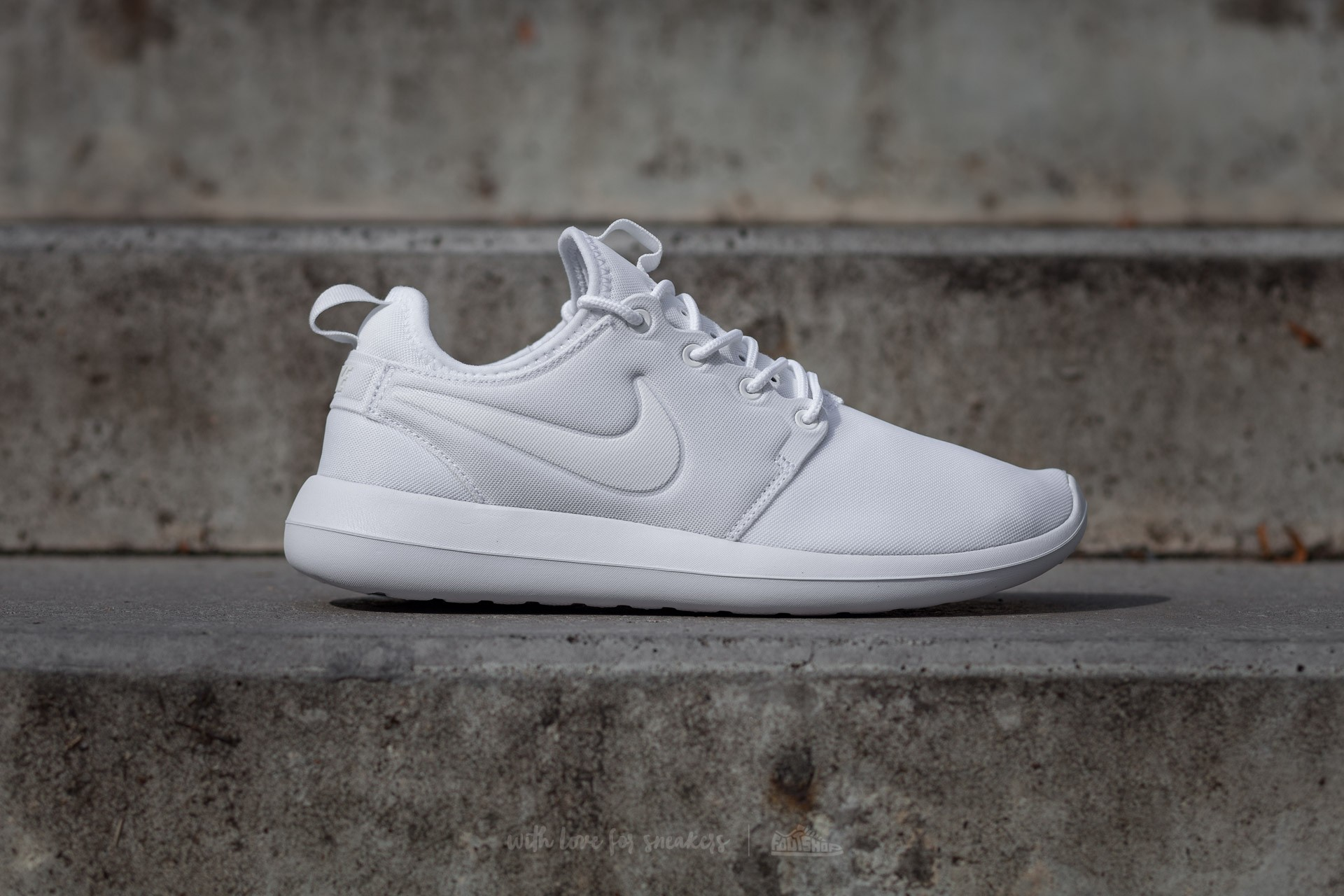 carbón complicaciones Roble  Women's shoes Nike W Roshe Two White/ White-Pure Platinum | Footshop