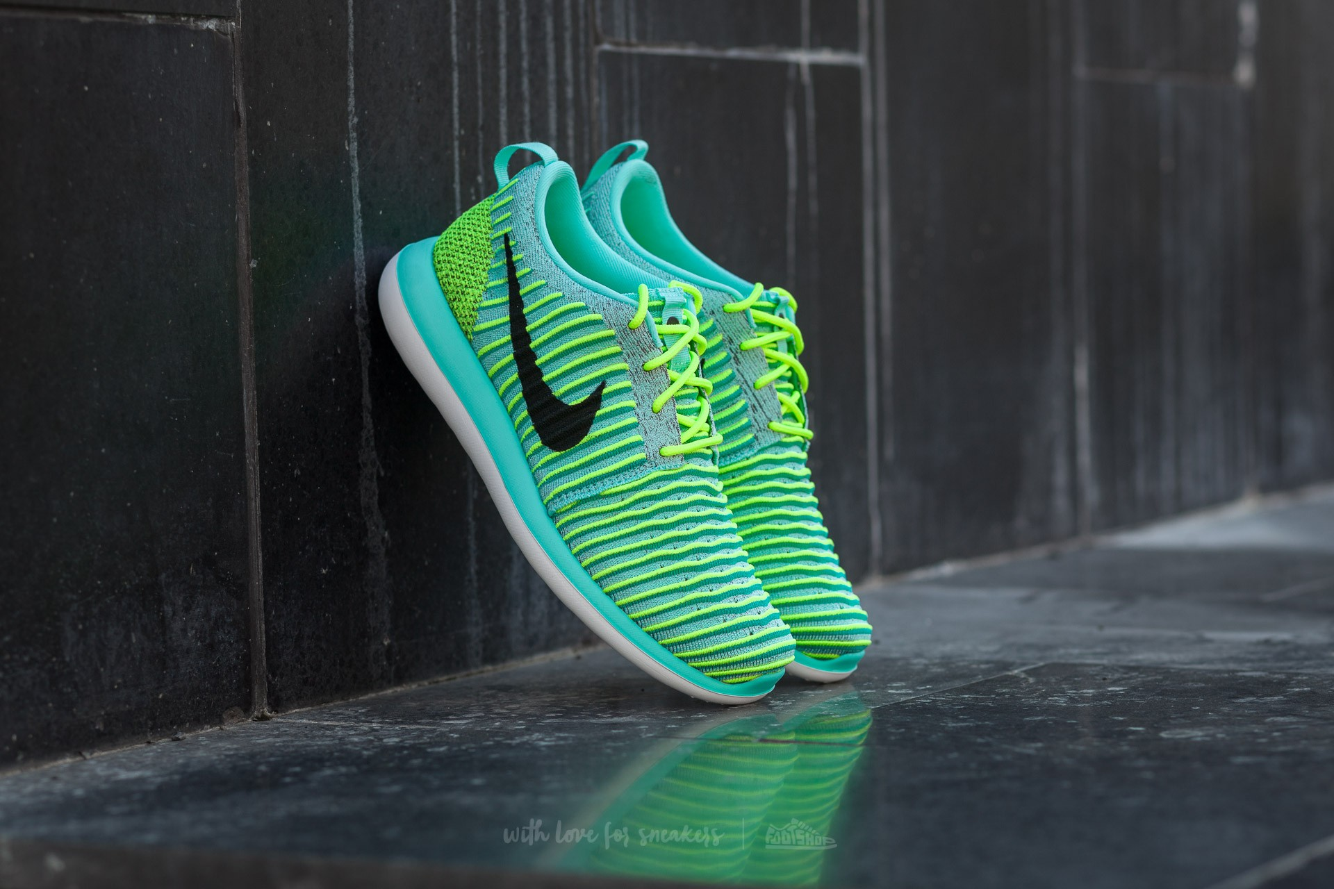 buy popular fd794 f856b Nike Roshe Two Flyknit (GS)