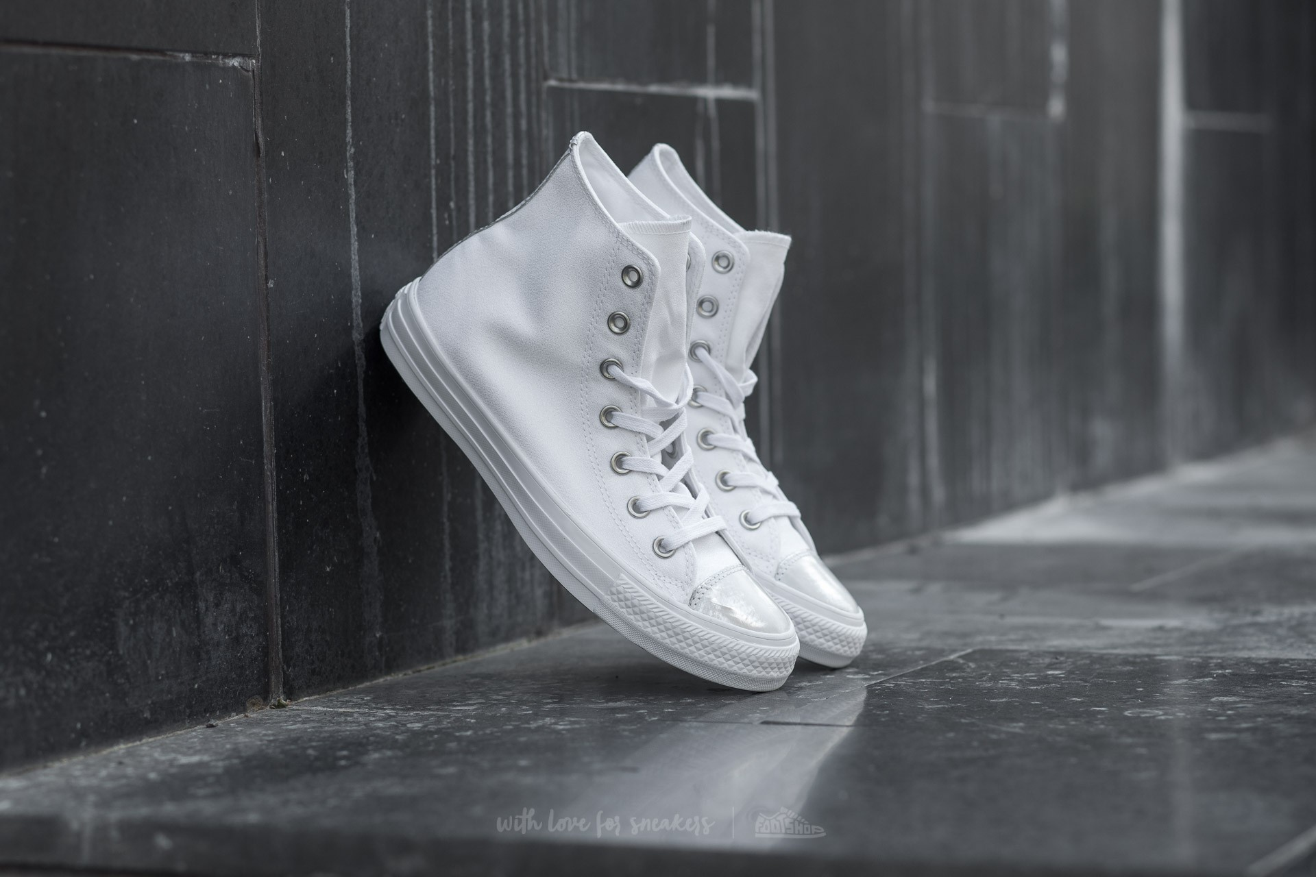 51c1bc488d8d83 Converse Chuck Taylor All Star Brush Off Leather Toecap. White  Pure Silver   White