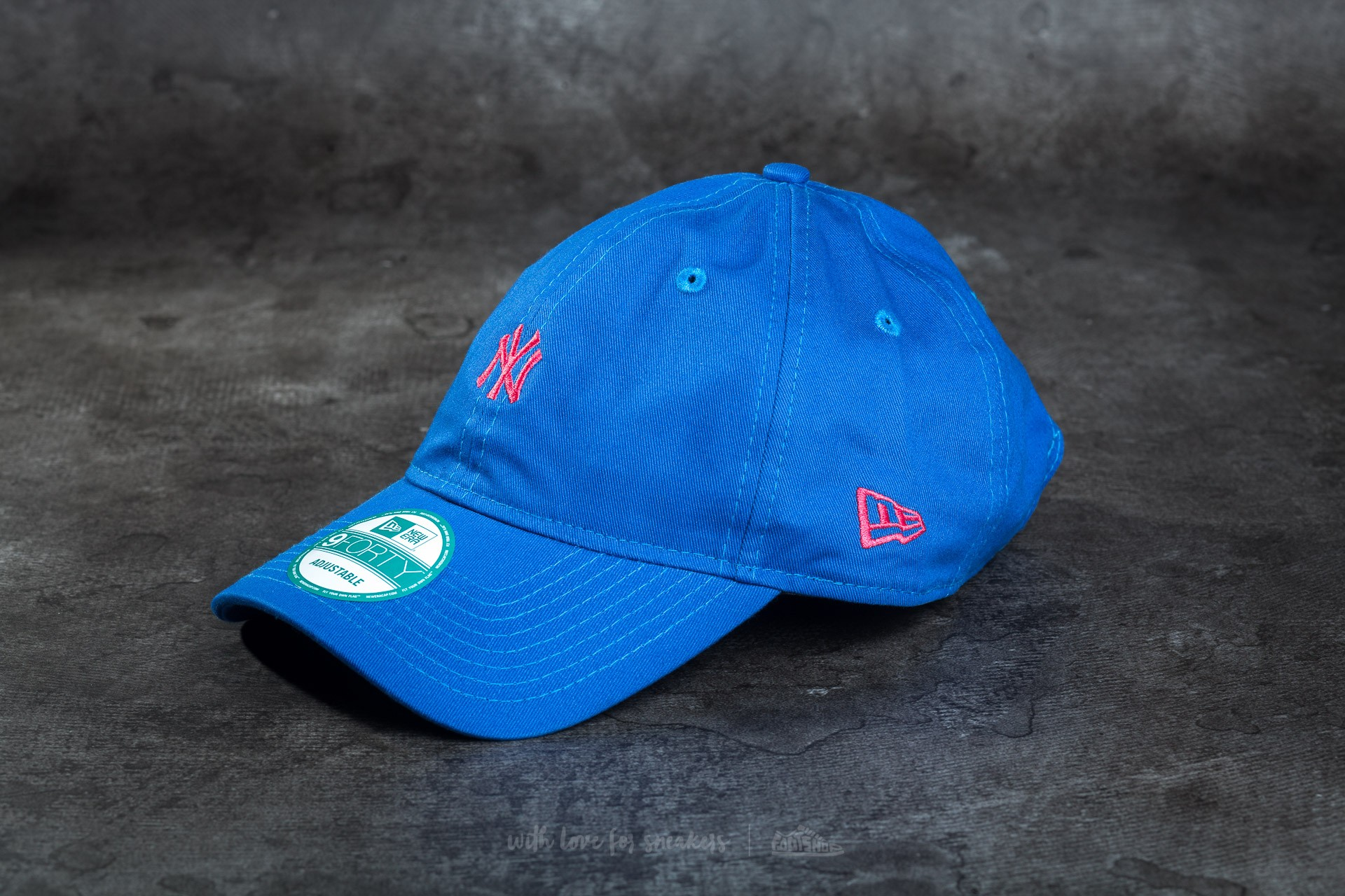 c20a8482c7f New Era Essential 9Forty Adjustable New York Yankees Cap Blue ...