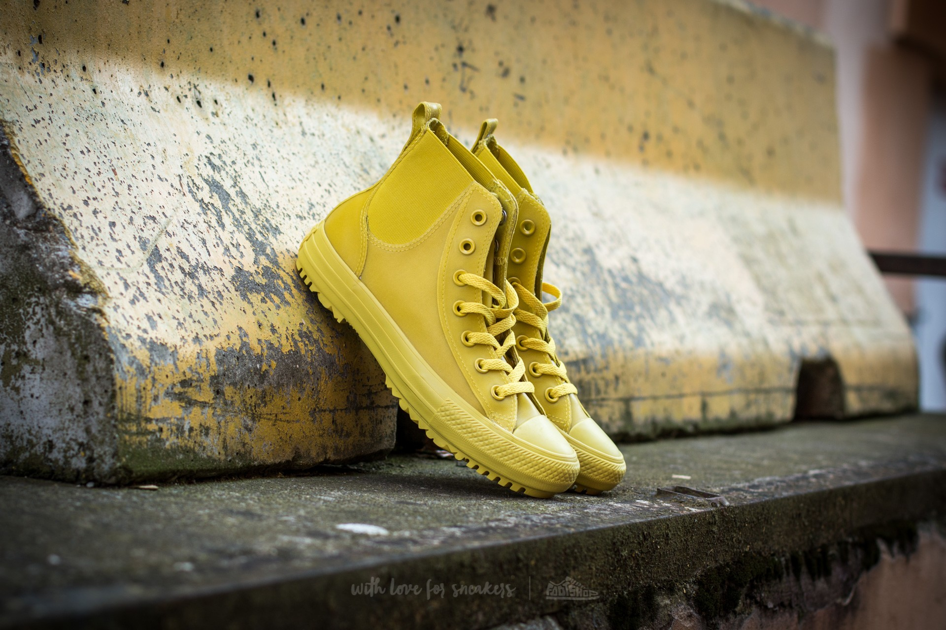 6ff84f591af2 Converse Chuck Taylor All Star Chelsea Boot Rubber Hi Bitter Lemon  Bitter  Lemon