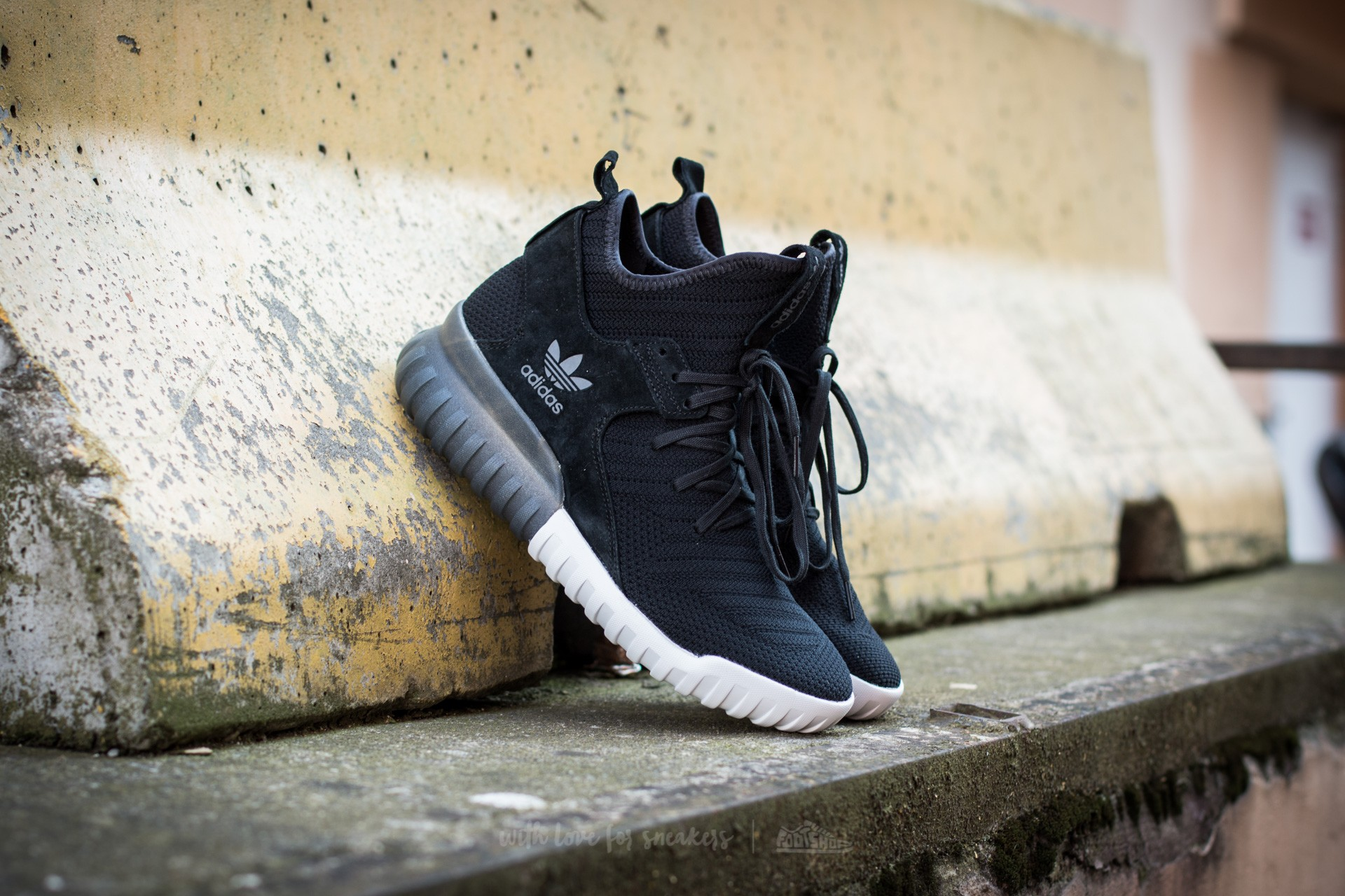 sports shoes 2e383 4e121 adidas Tubular X Primeknit. Core Black Dark Grey Vintage White