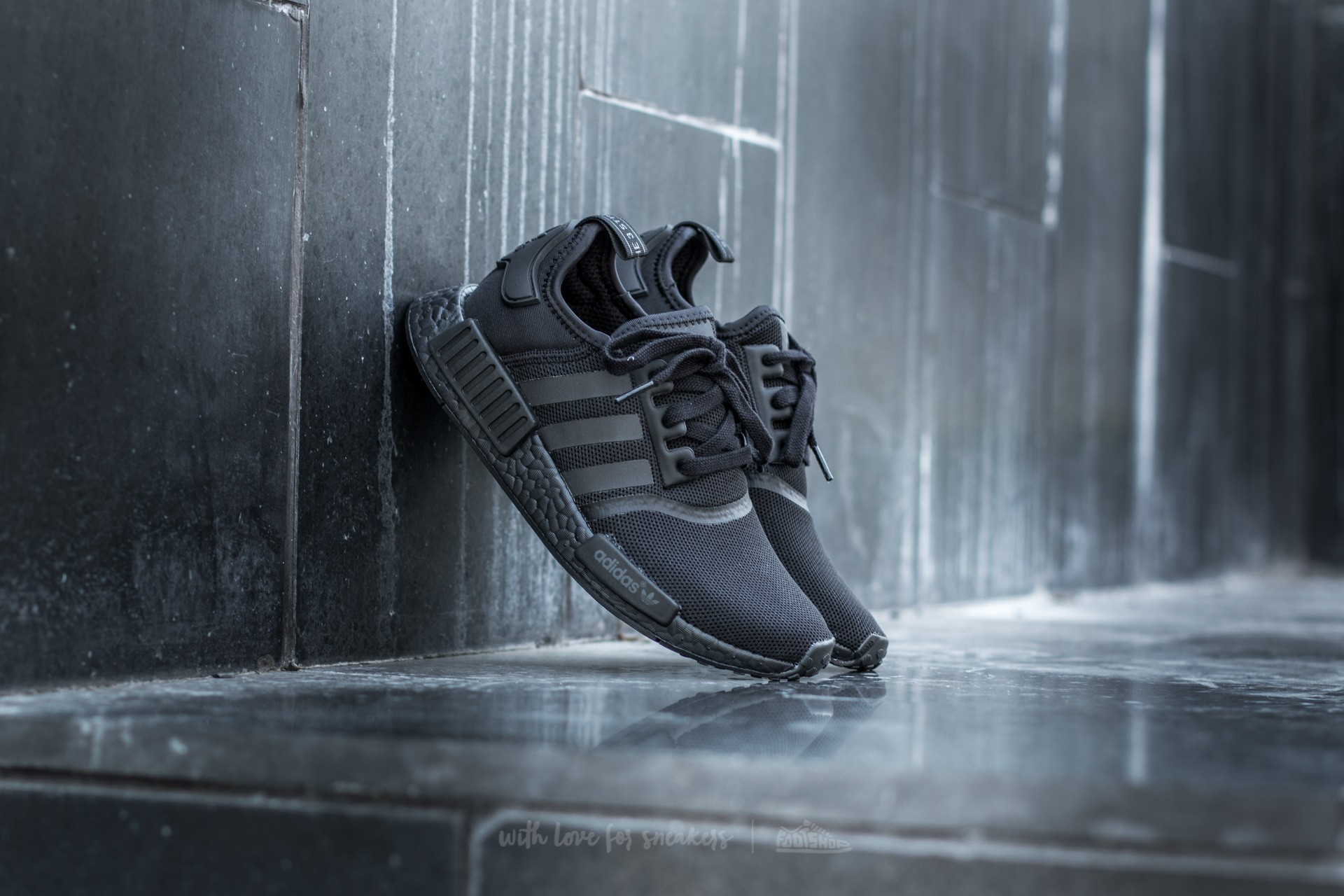 Men's shoes adidas NMD_R1 S31508