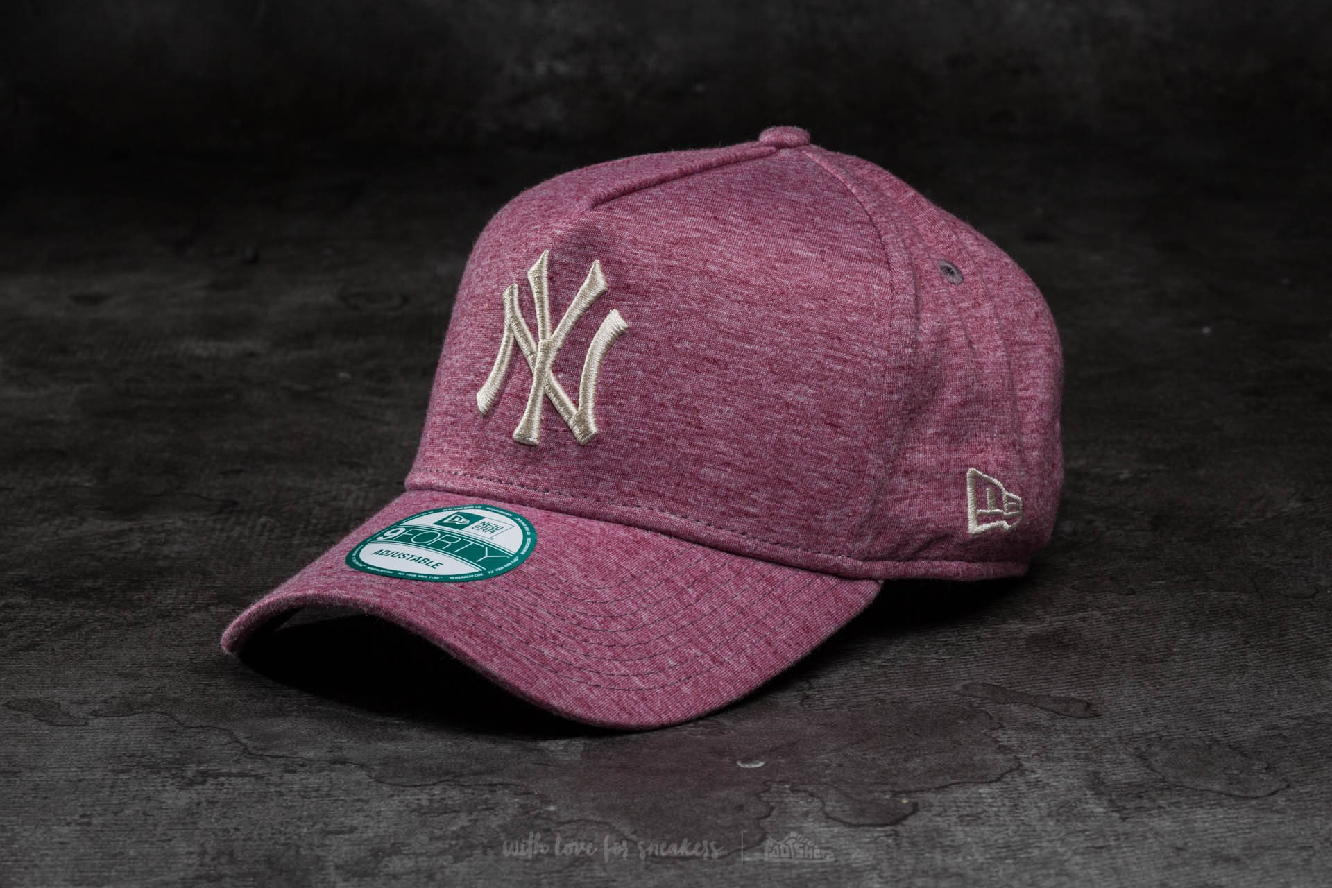 027e82d27ac New Era Cap 9Forty Adjustable Major League Baseball Jersey Flock New York  Yankees Cap Maroon