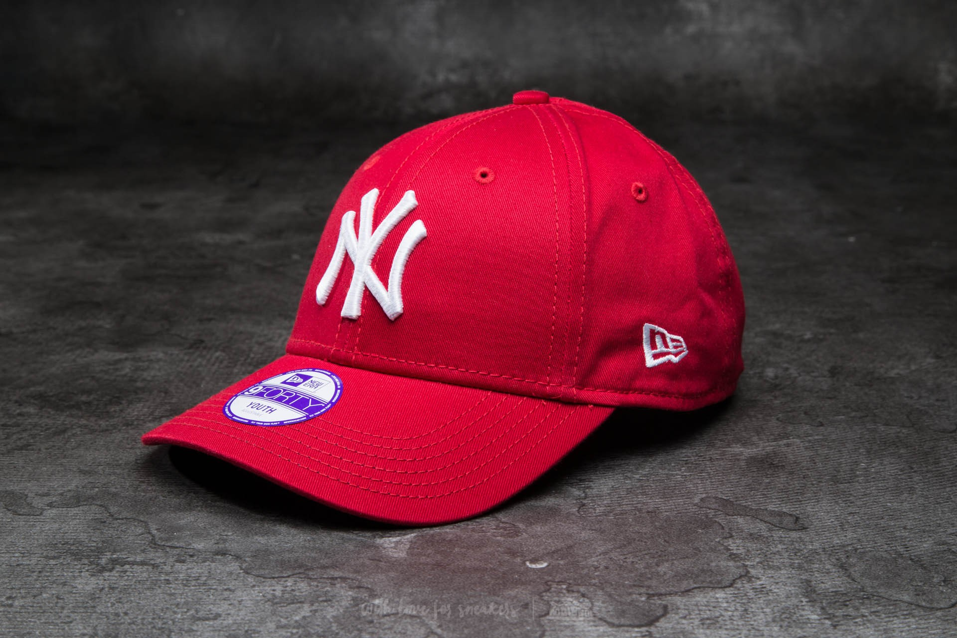 8a1f56d54a9 New Era K 9Forty Child Adjustable Major League Baseball Basic New York  Yankees Cap Scarlet