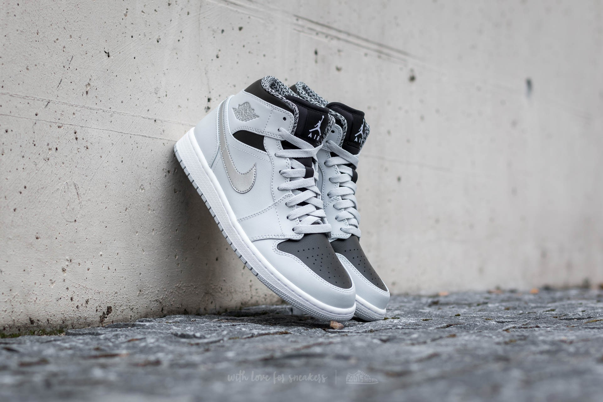 new product 7ddf4 f87a2 Air Jordan 1 Mid. Pure Platinum  ...