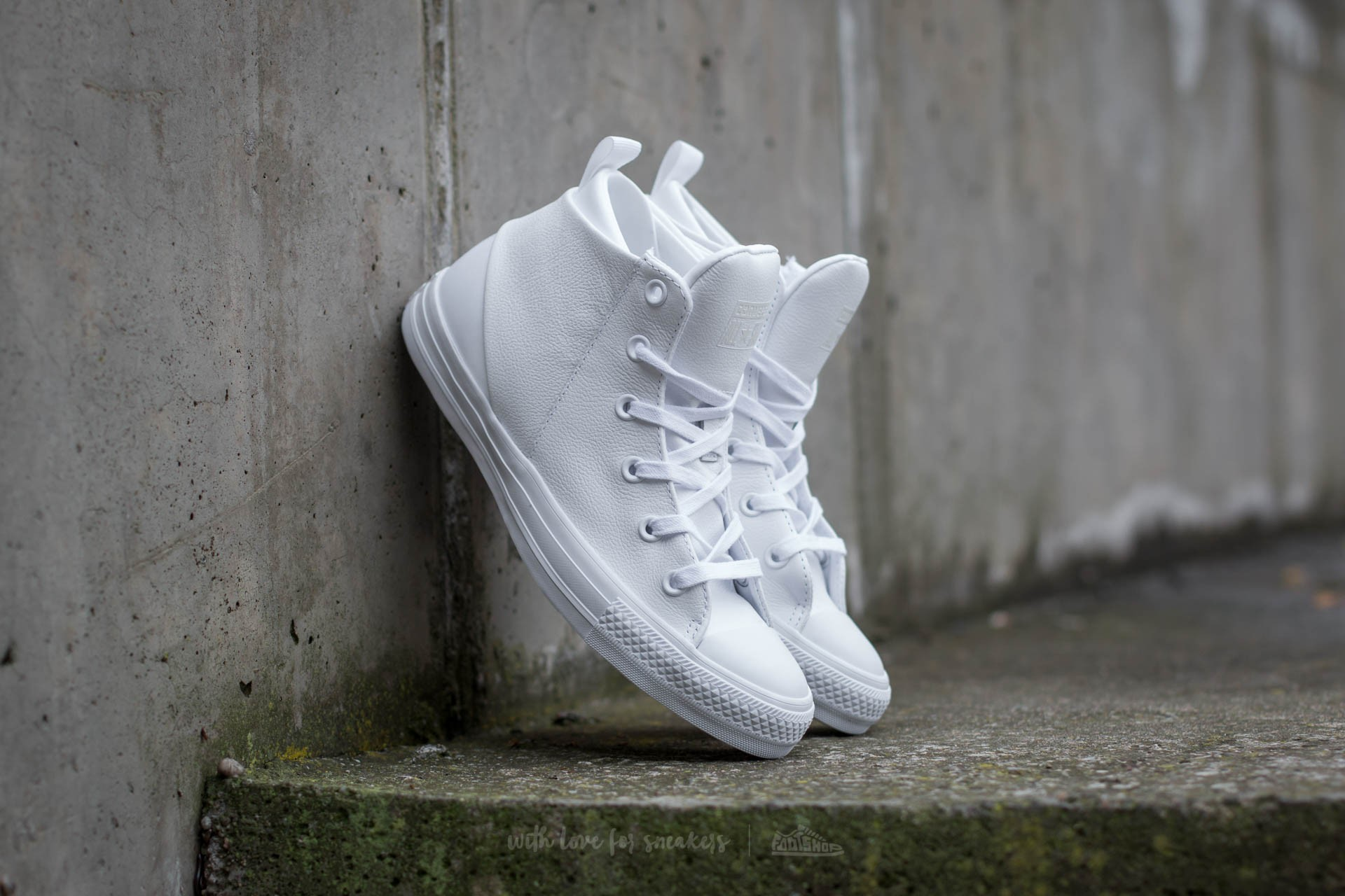 Converse Chuck Taylor All Star Sloane Monochrome Leather White  White  White d70a094d0c