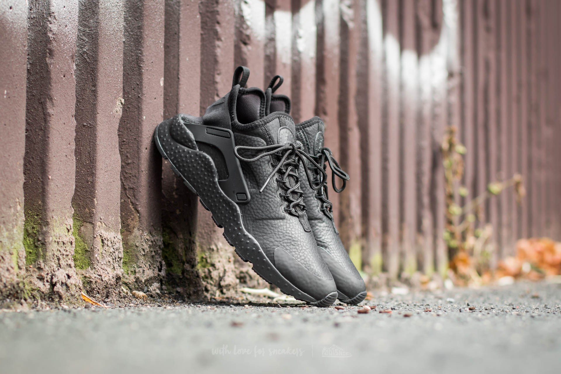 3523b55516c01 Nike W Air Huarache Run Ultra Premium Black  Black