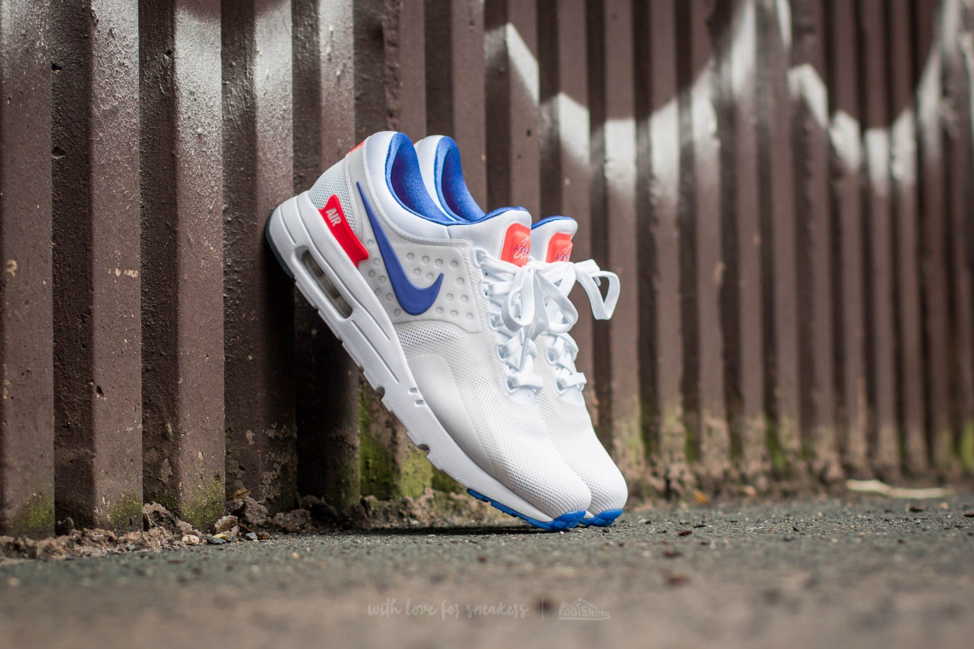various colors 495bd 8c30e Nike Air Max Zero QS. White  Ultramarine-Solar Red