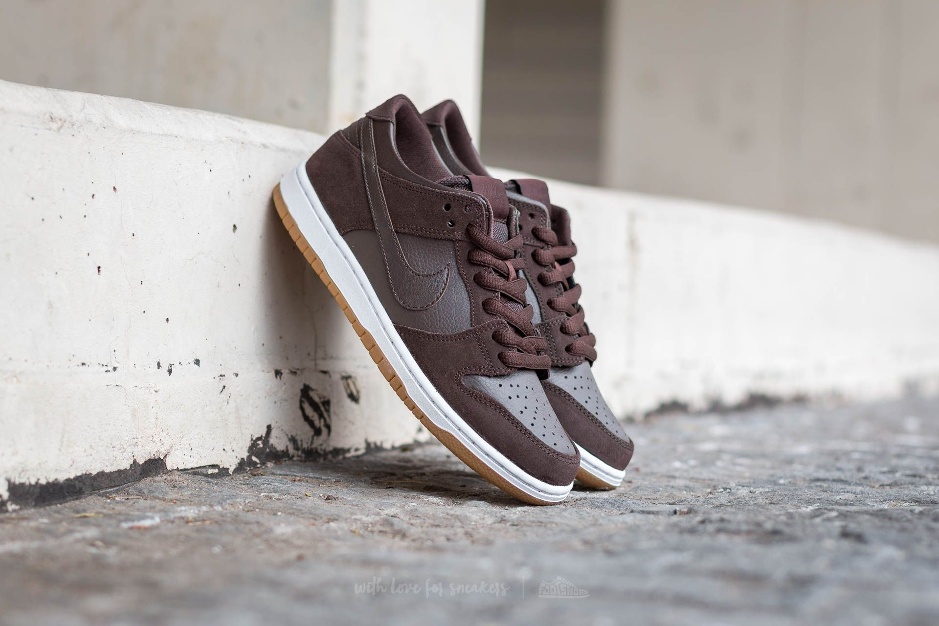 lowest price 489ef 8ff93 Nike Dunk Low Pro Ishod Wair. Baroque Brown  Baroque Brown-White