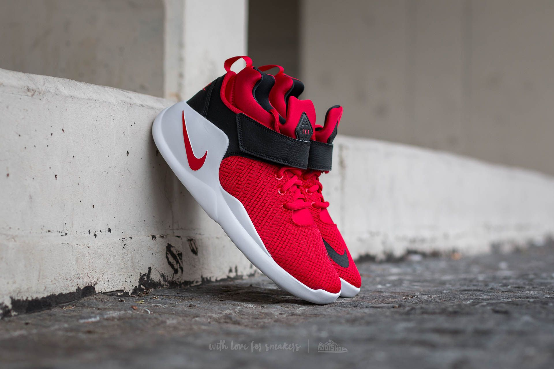 reputable site c1a1a 35ffe Nike Kwazi (GS) University Red  Black   Footshop